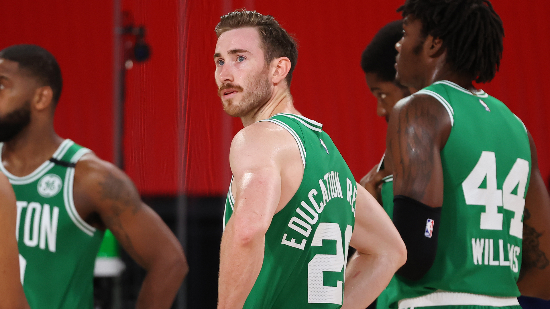 Hornets acquire Gordon Hayward, future Draft picks in sign-and-trade deal
