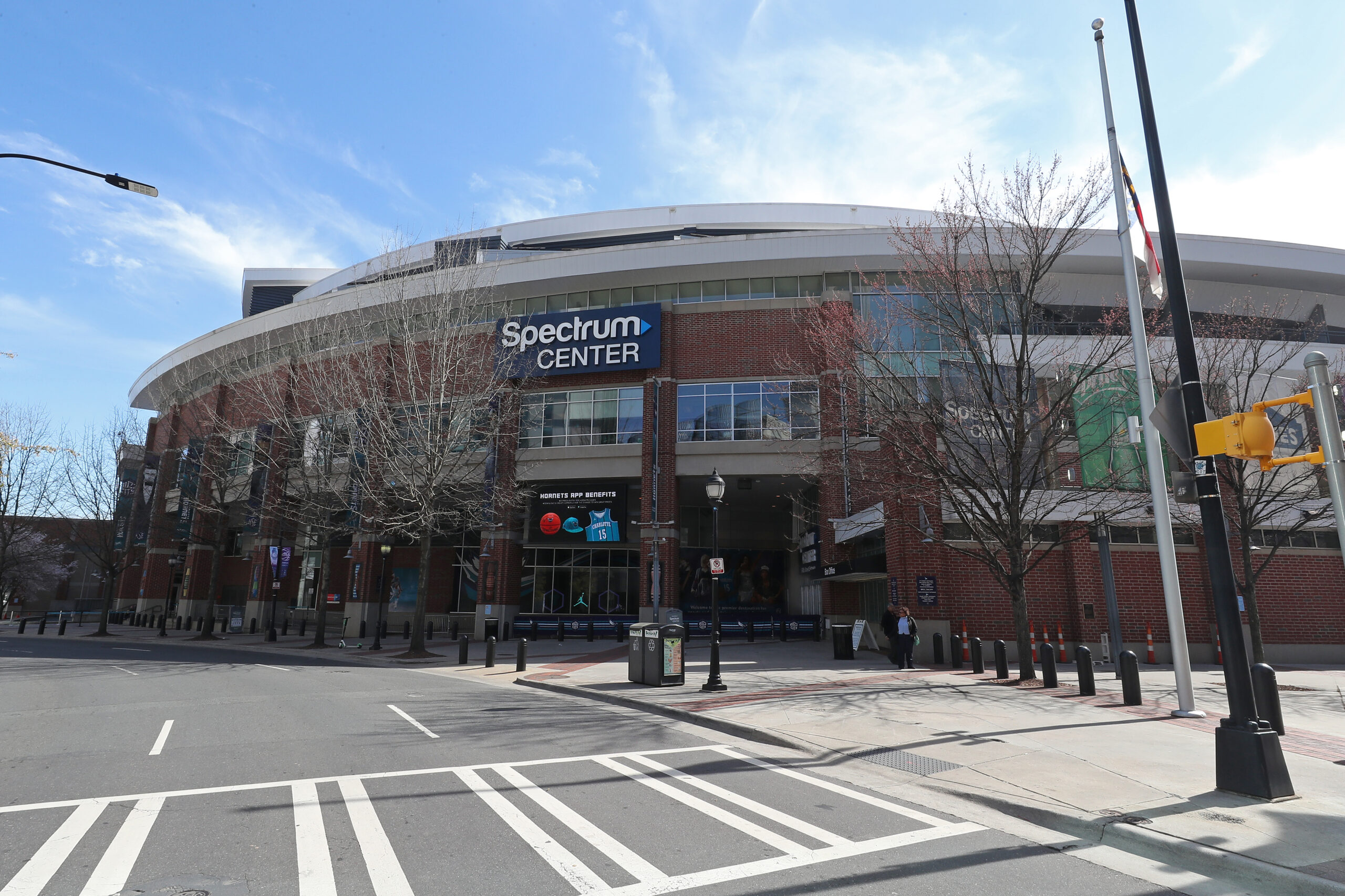 Hornets to begin season without fans at Spectrum Center