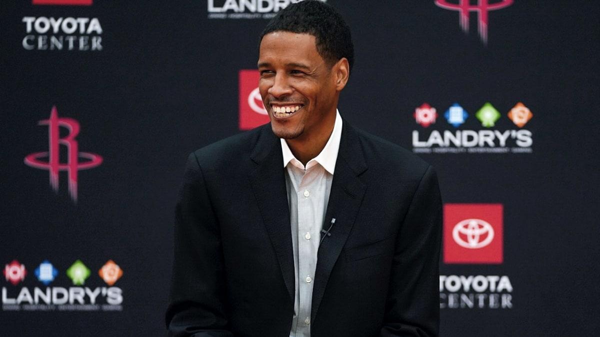 Rockets introduce new head coach Silas, GM Stone