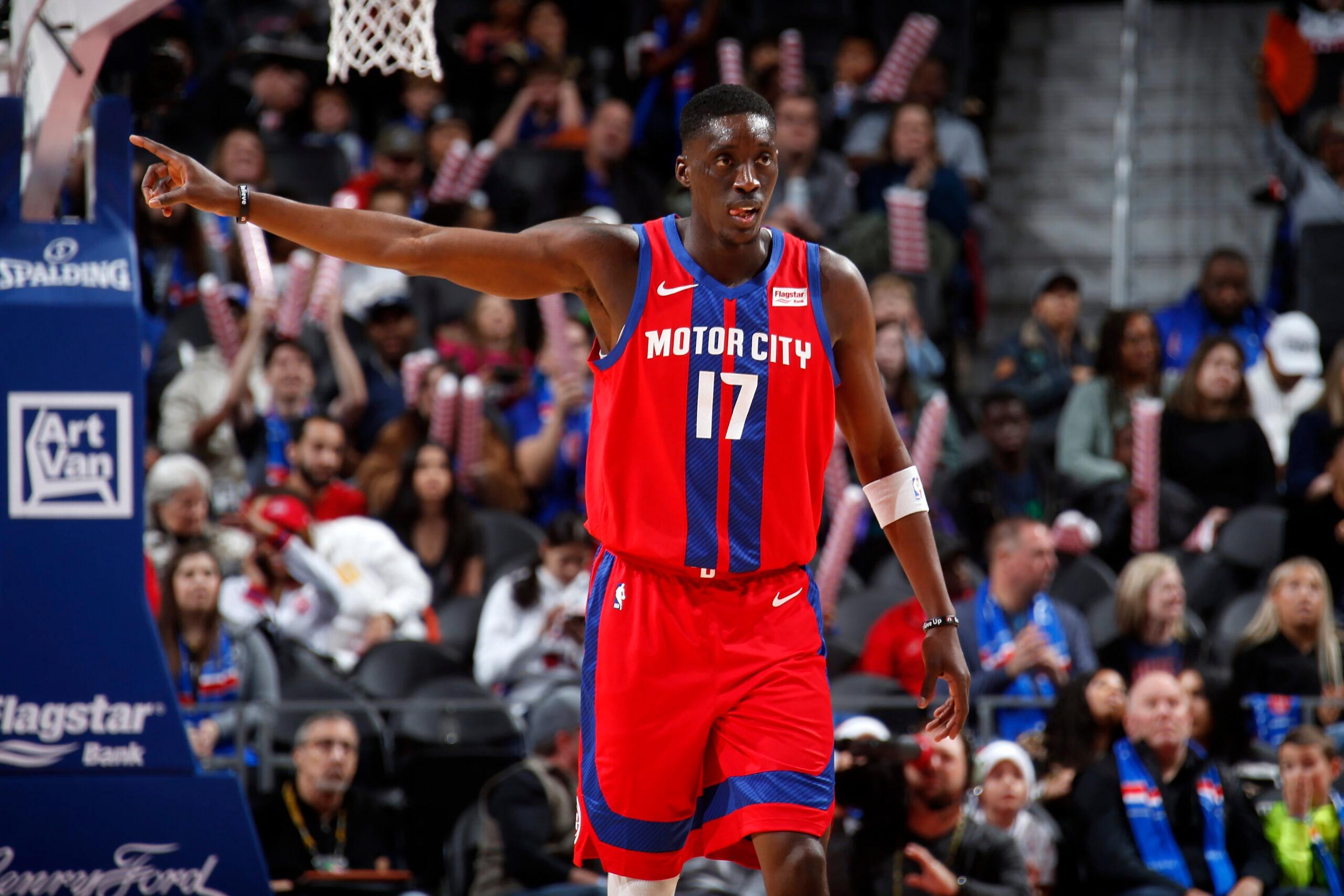 Reports: Hawks trade Dewayne Dedmon to Pistons for Tony Snell