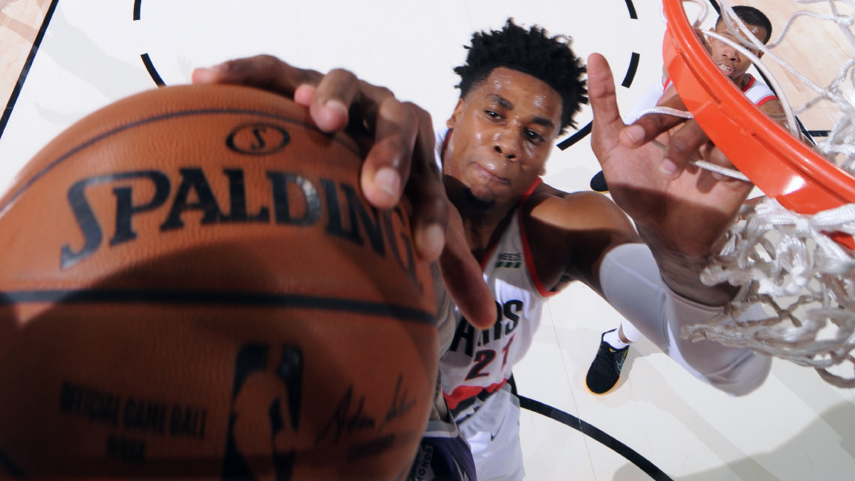 Kings sign free agent Hassan Whiteside