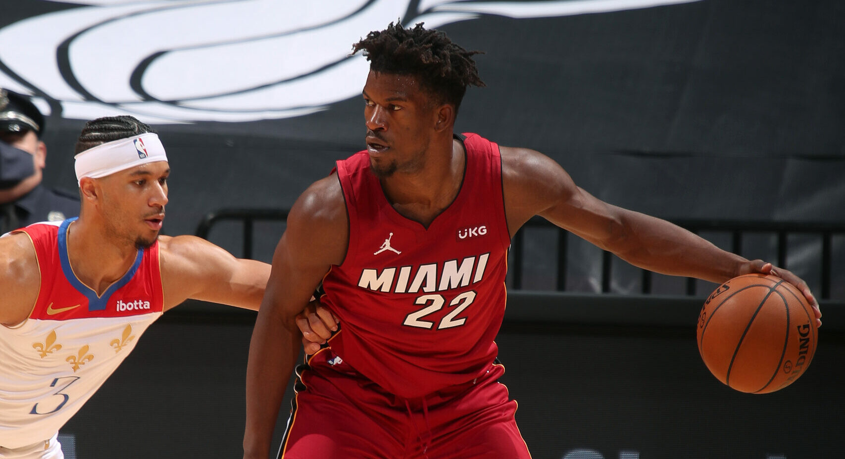 Heat's Jimmy Butler (ankle) exits game vs. Pelicans, does not return