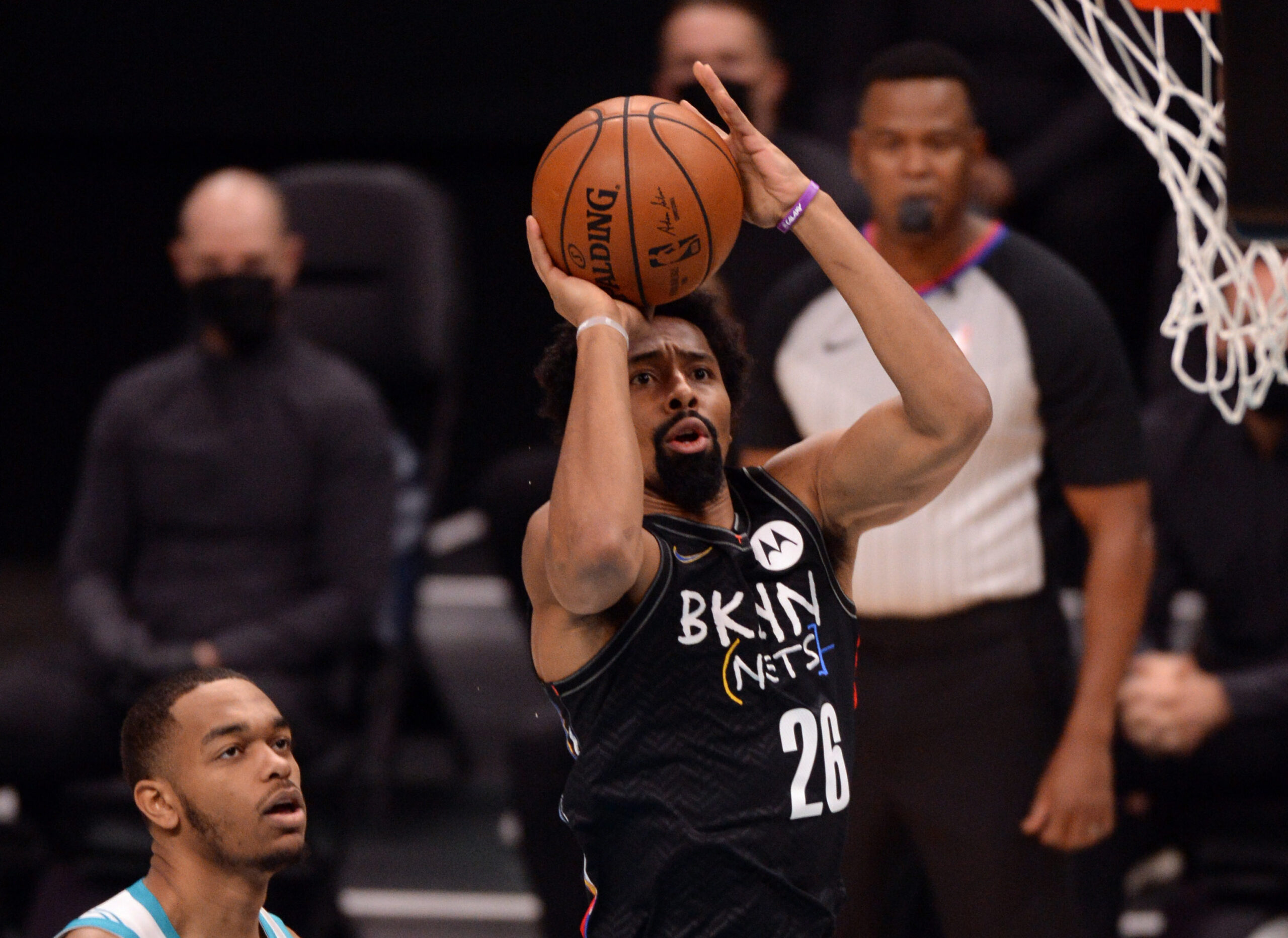 Spencer Dinwiddie exits Brooklyn Nets loss with right knee strain
