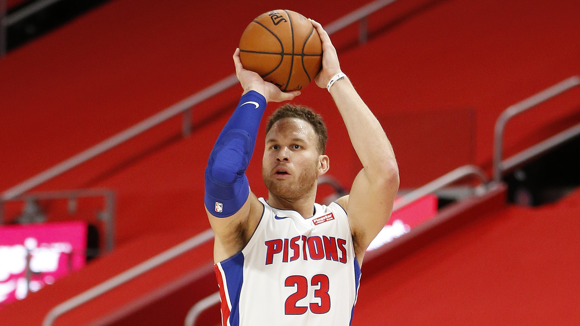 Nets officially sign former All-Star Blake Griffin