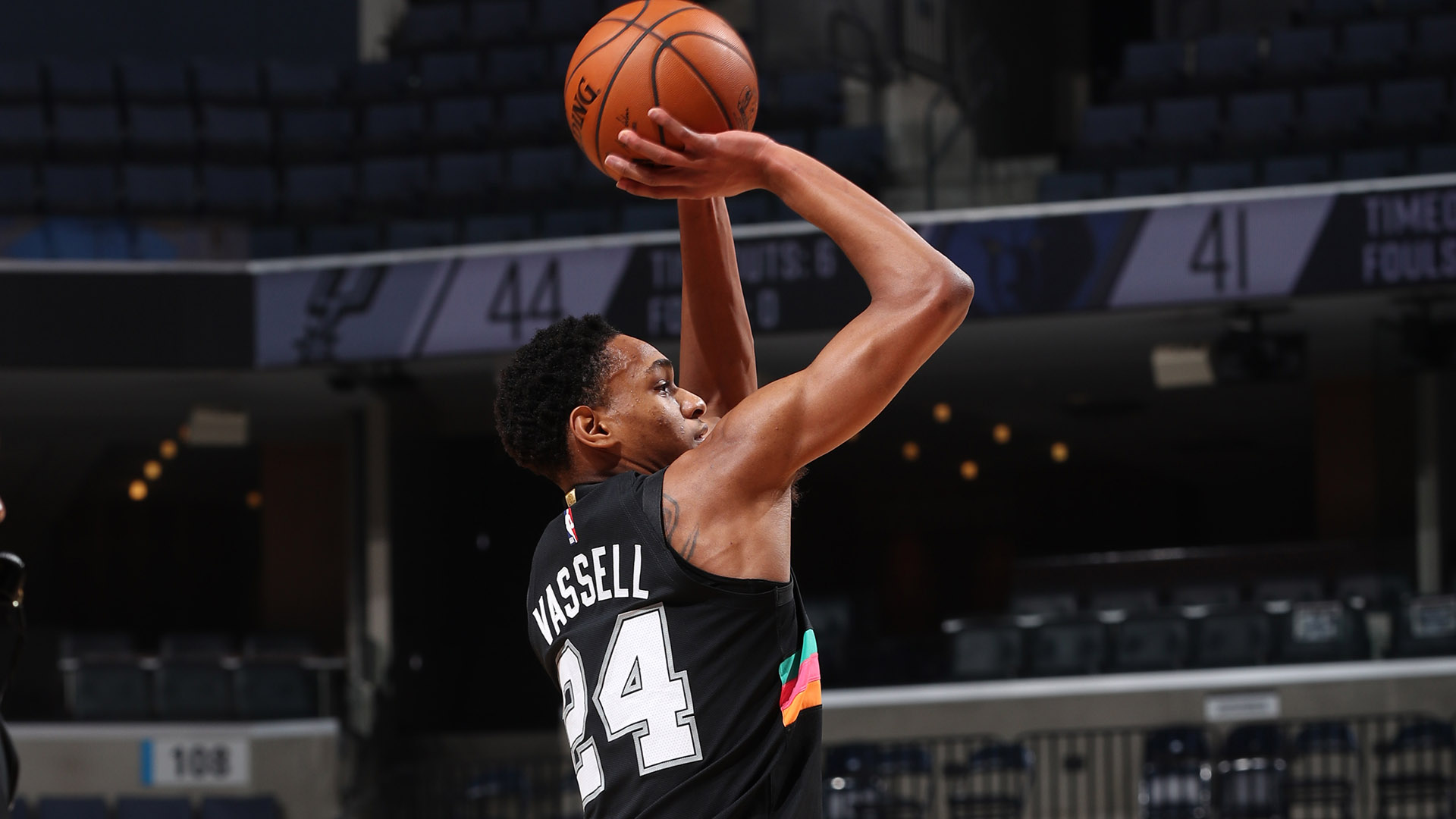 Vassell nails 3-pointer for first points in NBA