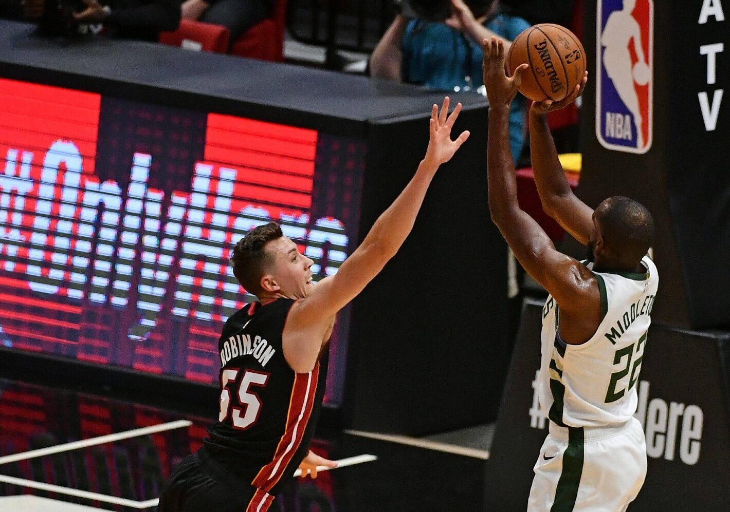 Bucks set NBA record for 3-pointers in blowout of Heat