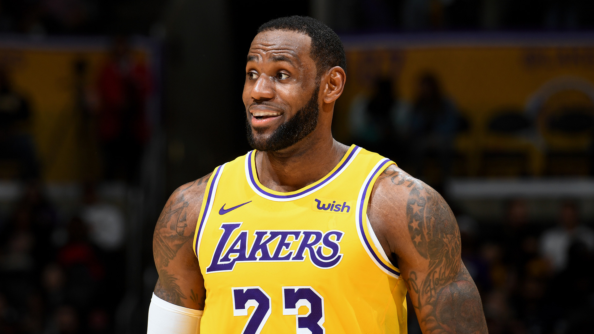 LeBron James, Lakers lead NBA merchandise sales through 1st half of 2020-21