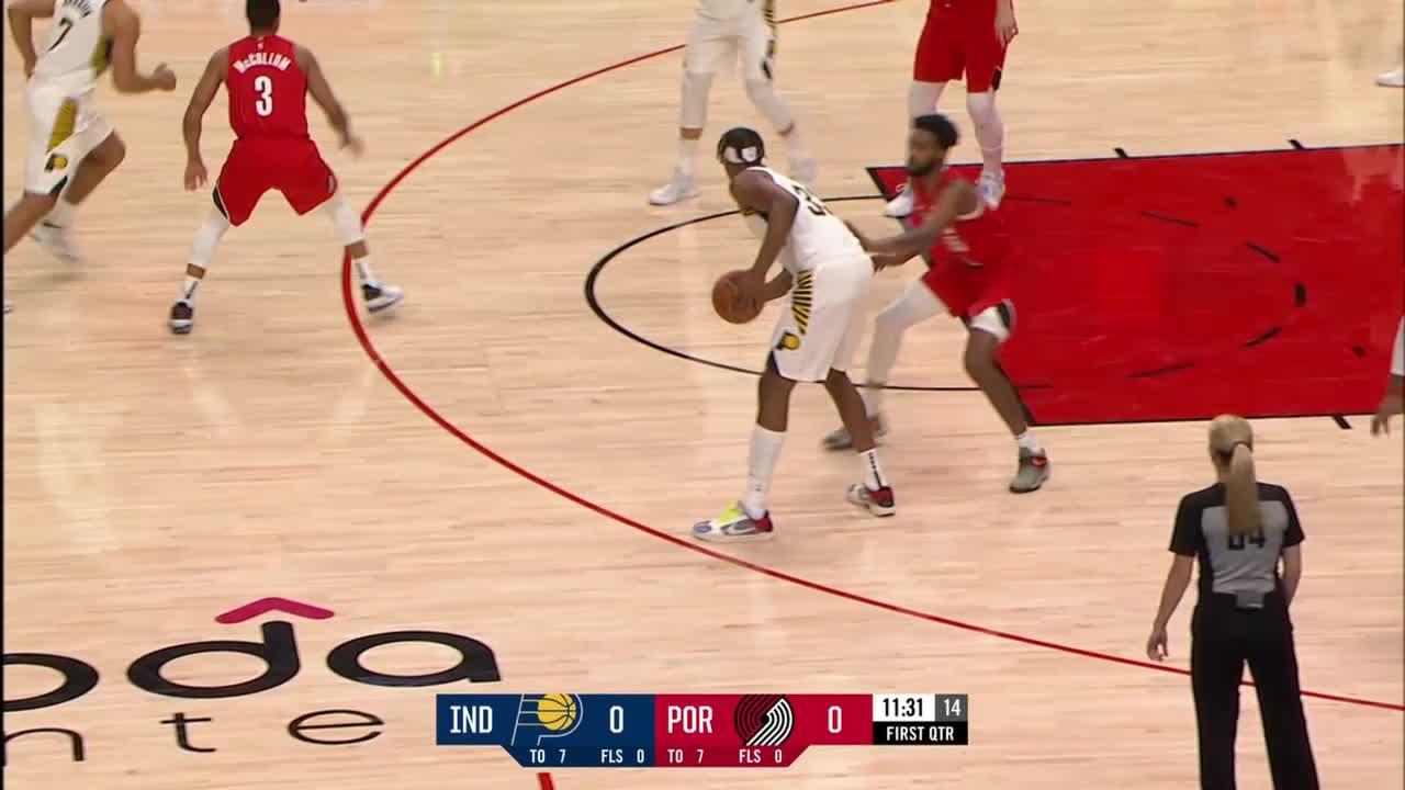 Domantas Sabonis Posts 23 points & 15 rebounds vs. Portland Trail Blazers