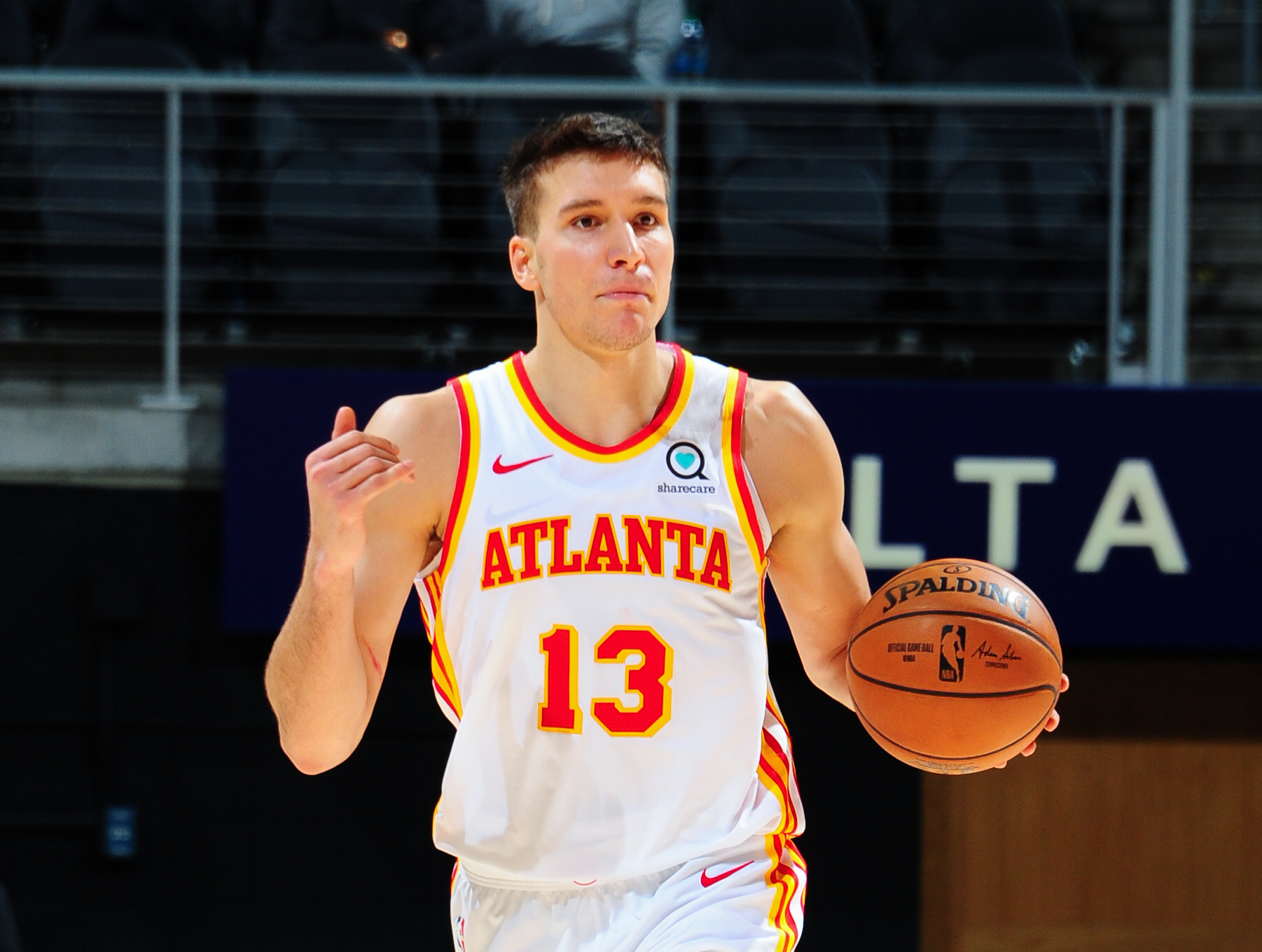Hawks' Bogdan Bogdanovic progresses in recovery from fractured knee