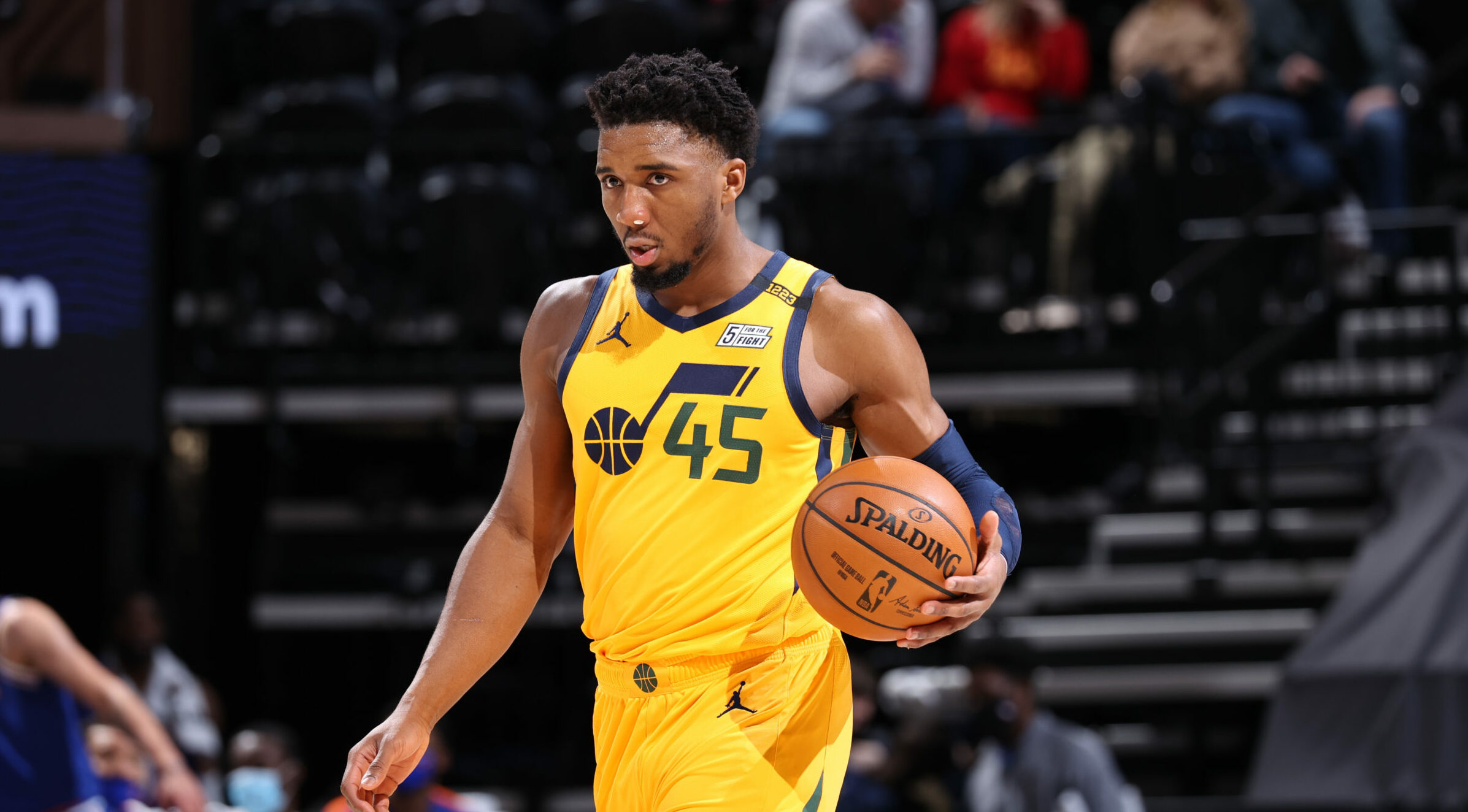 Donovan Mitchell enters concussion protocol, ruled out vs. Mavs