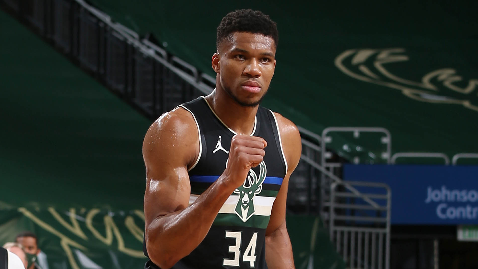 Power Rankings: Bucks Surging As Lakers Stay At Top