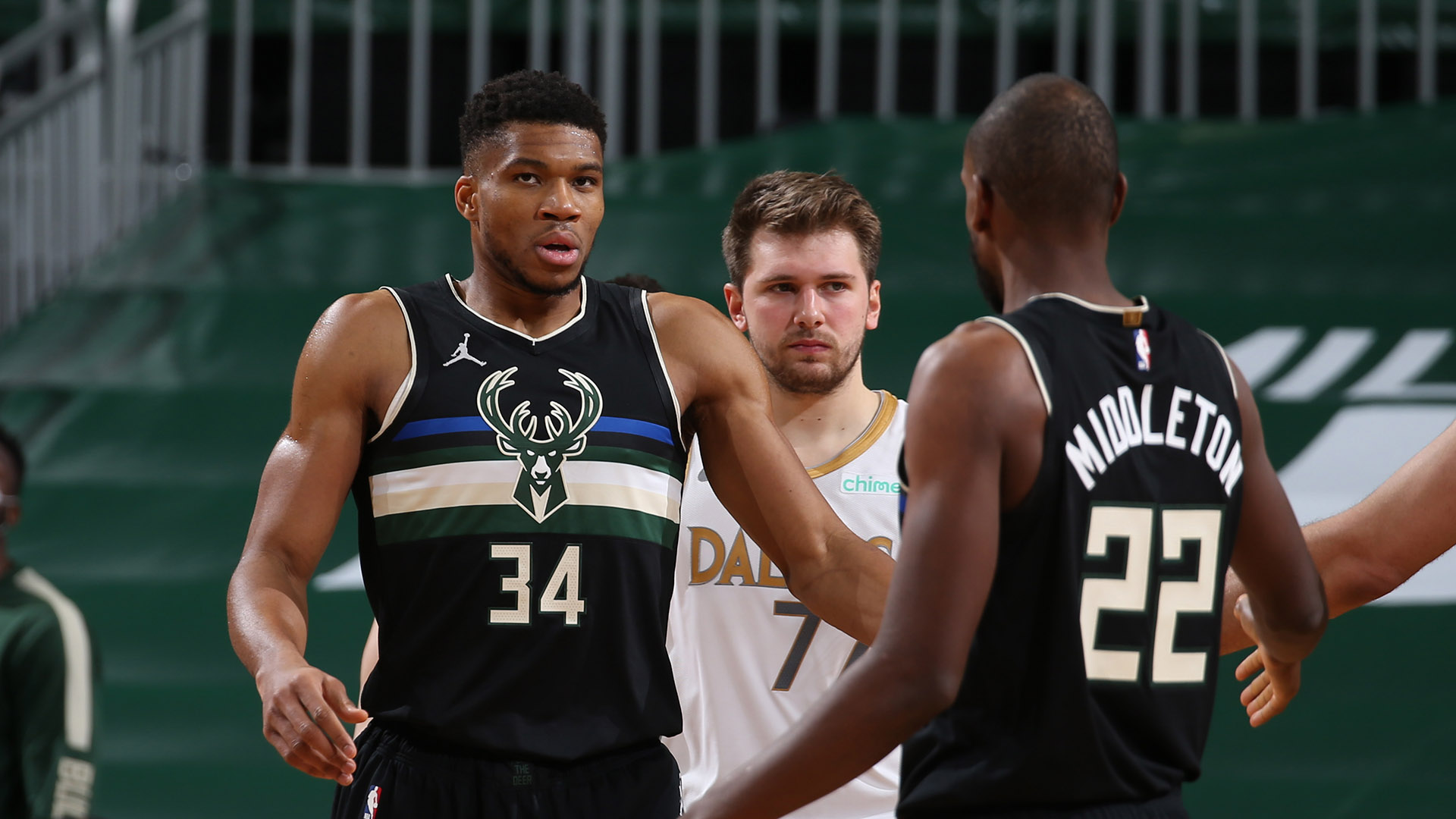 Bucks Hold Off Mavericks To Claim Clash Of Superstars