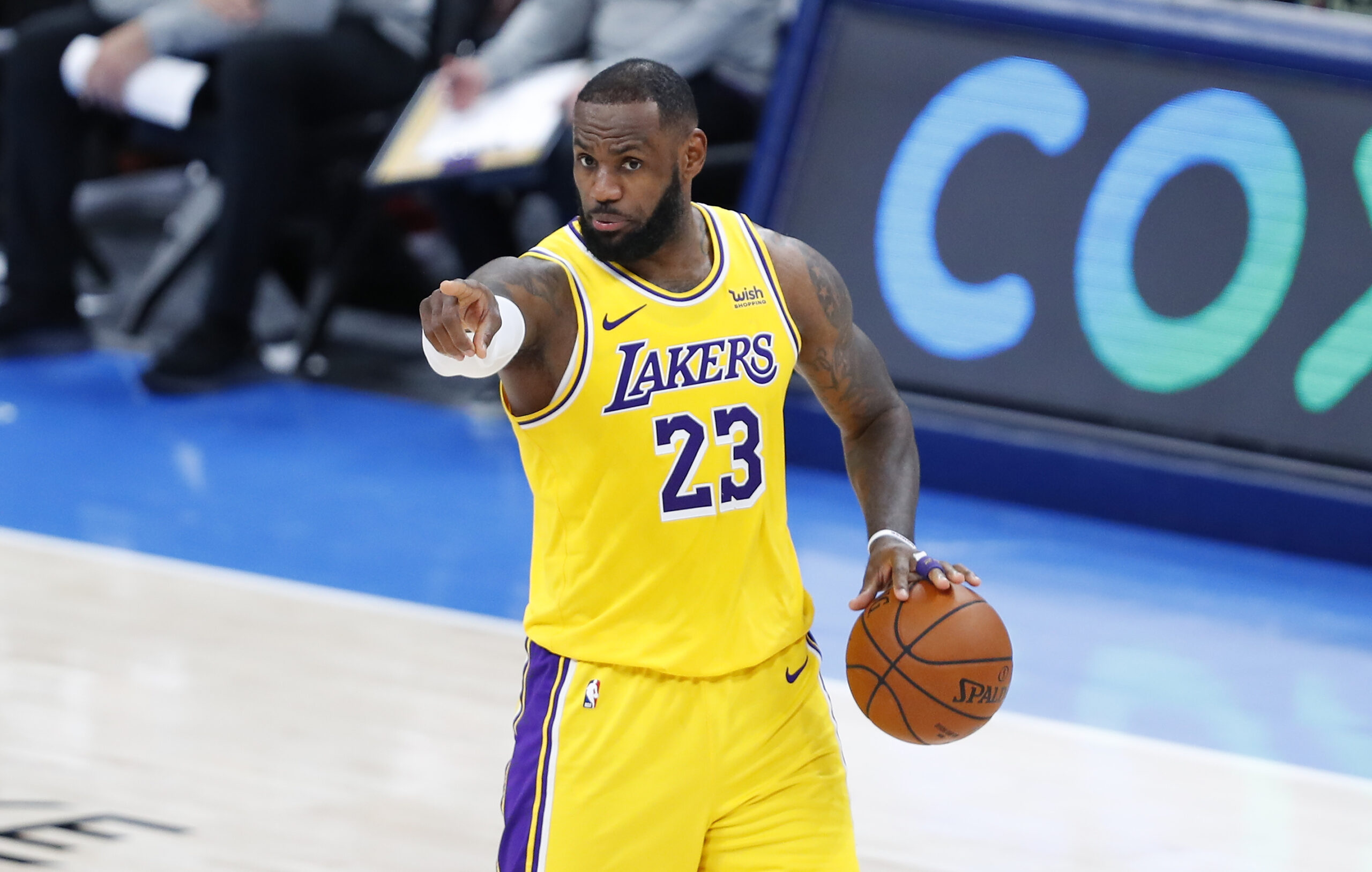Steady, Sturdy LeBron Helping Lakers Surge Anew