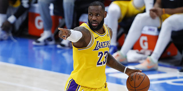 Sturdy as ever, LeBron James has Lakers surging out of the gates