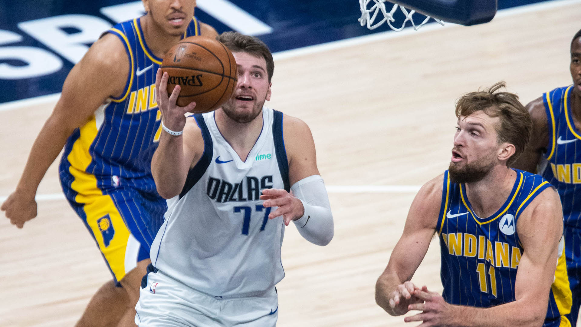 Doncic, Porzingis Help Mavericks End 3-Game Slide