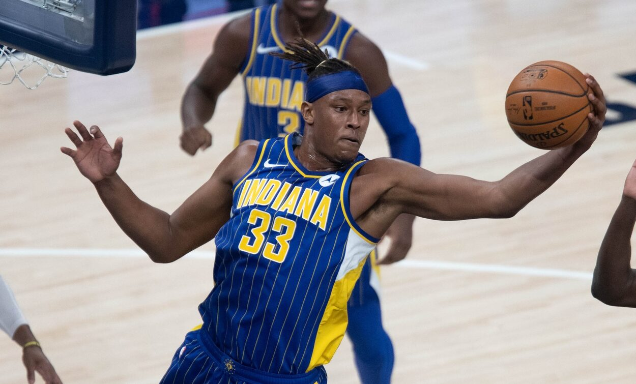 Myles Turner day-to-day with avulsion fracture in right hand