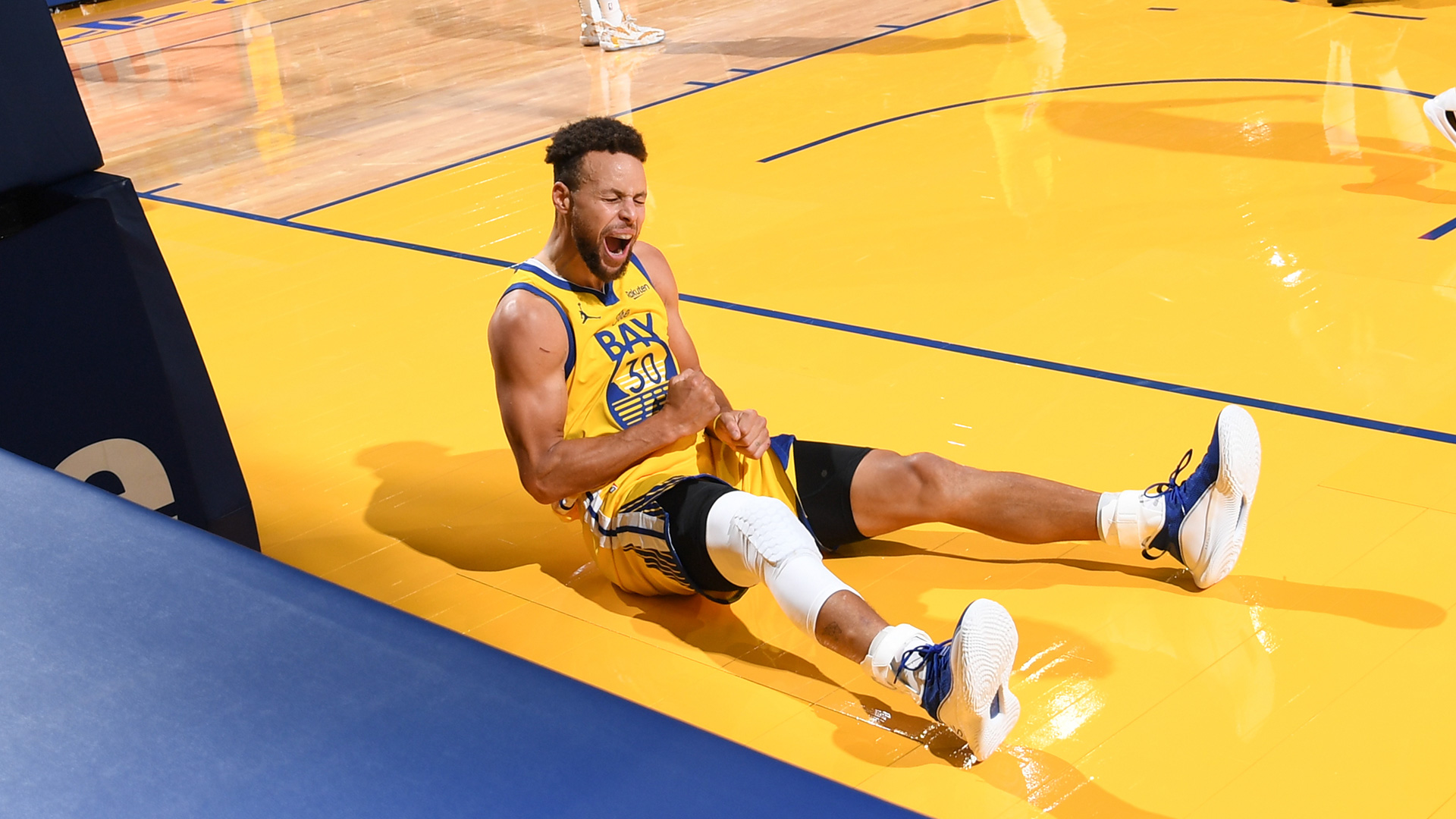 NBA reacts to Stephen Curry's outrageous performance