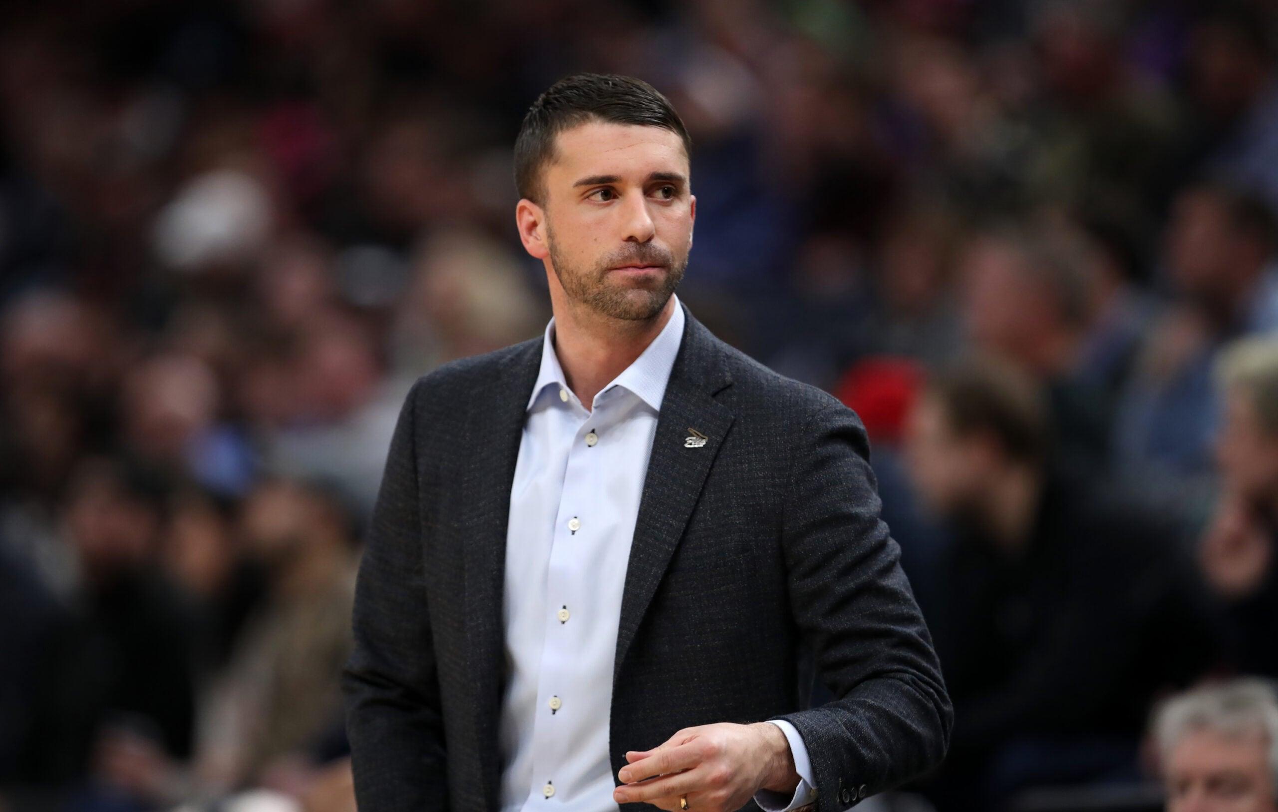 Timberwolves relieve Ryan Saunders of head coaching duties