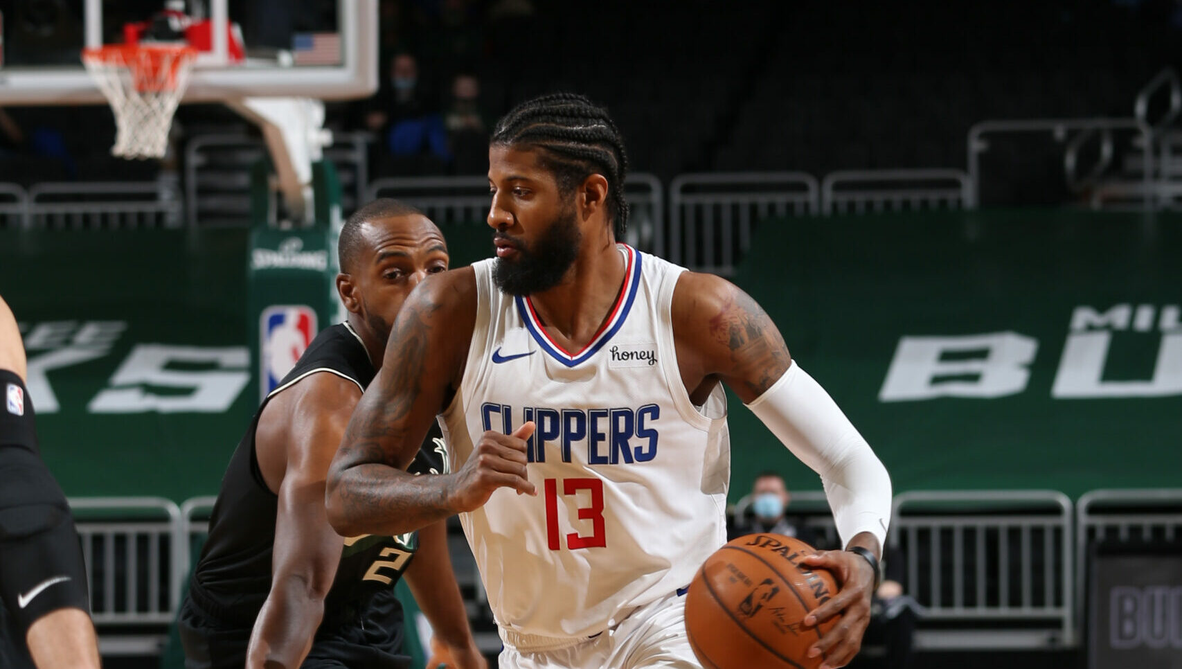 Streaking Bucks face Clippers in clash of contenders