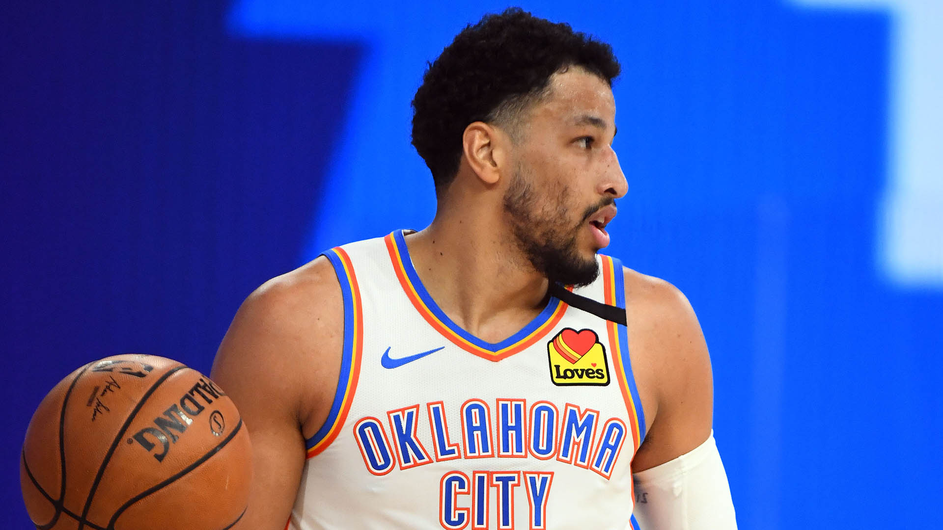 Nets officially sign defensive stopper Andre Roberson
