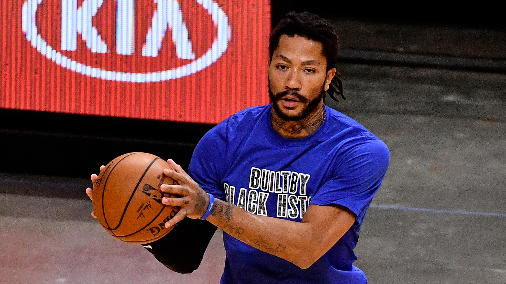 Knicks take a second shot on Derrick Rose in trade with Pistons