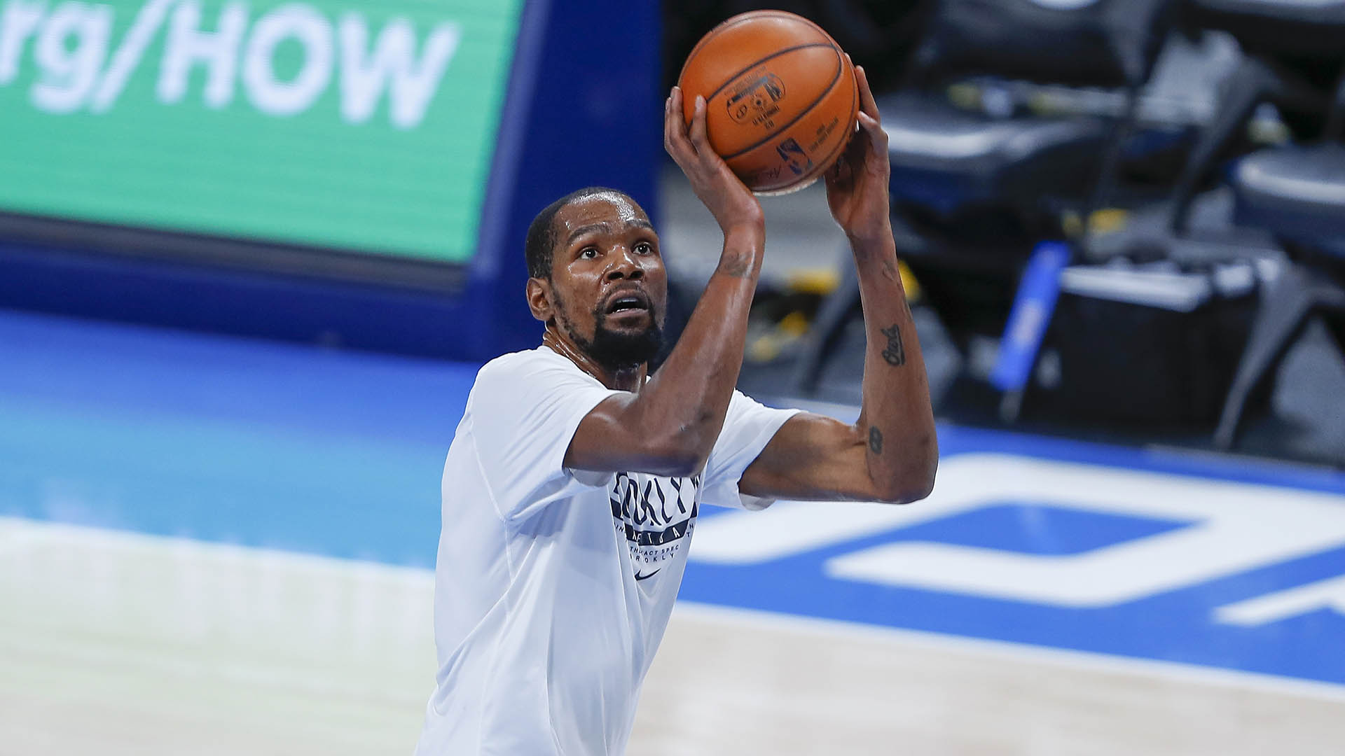 Kevin Durant practices, is set to return Saturday