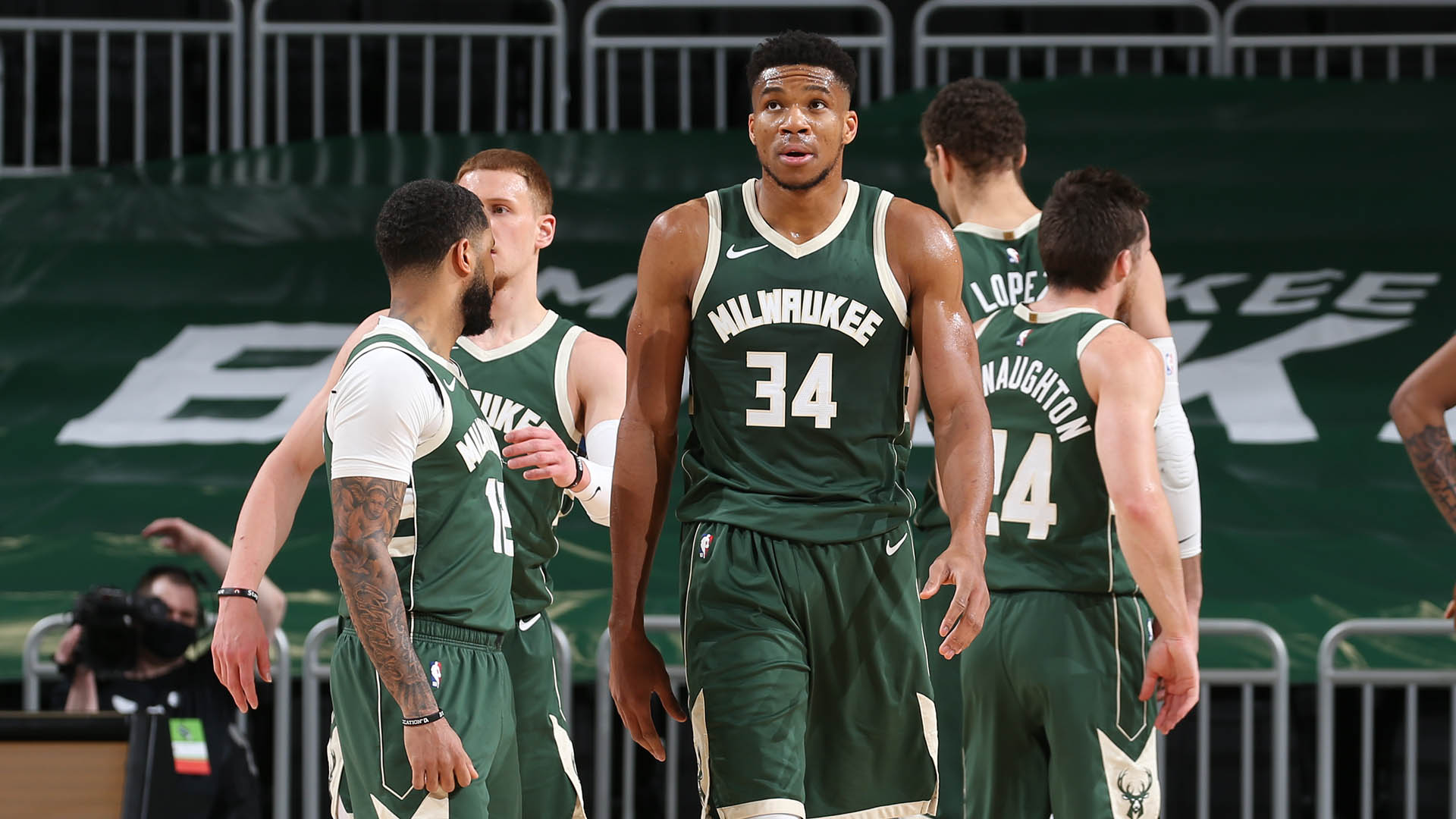 Bucks still finding way to win despite some new issues