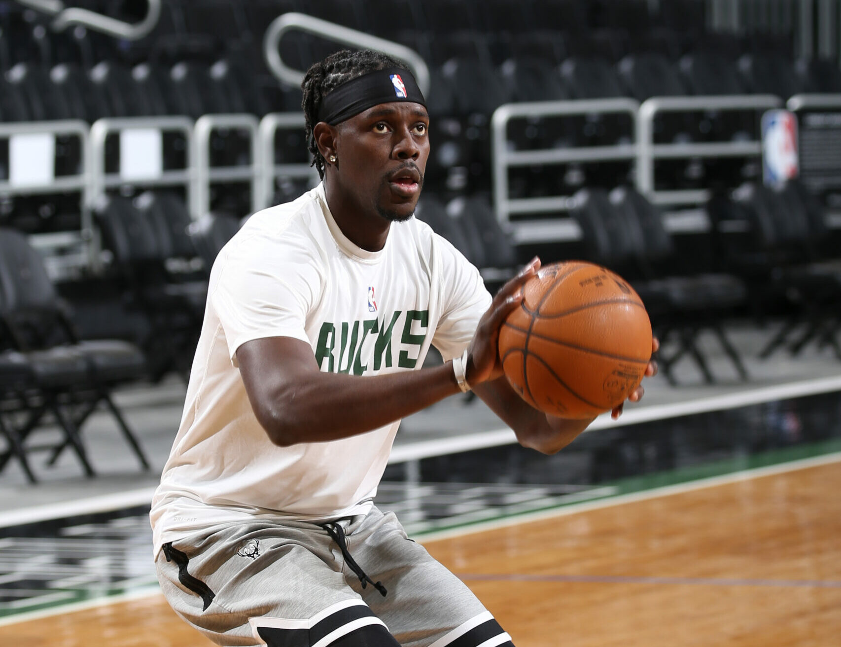 Jrue Holiday returns Sunday after 10-game absence