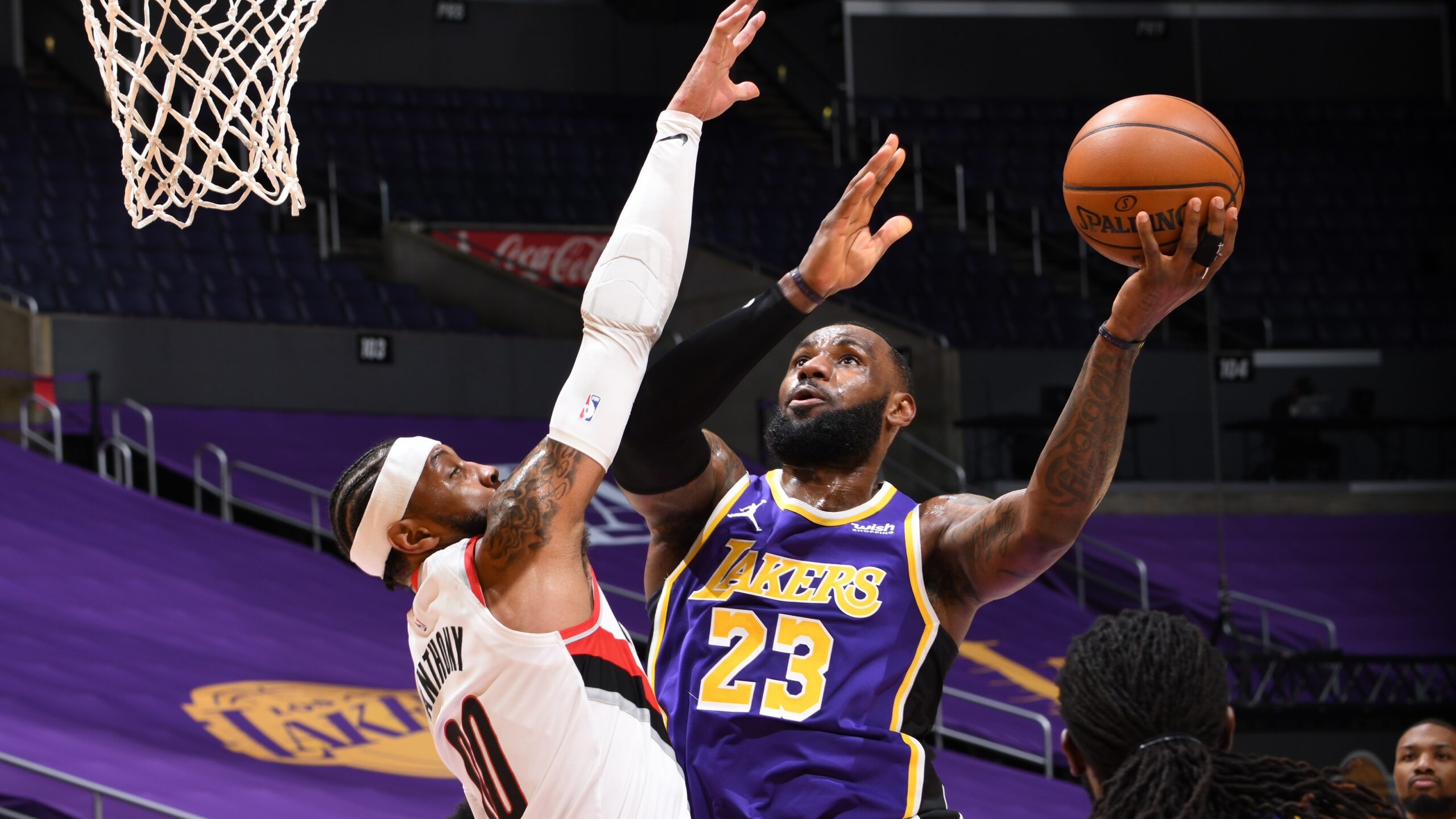 Lakers Snap Slide As Blazers Drop 4th Straight