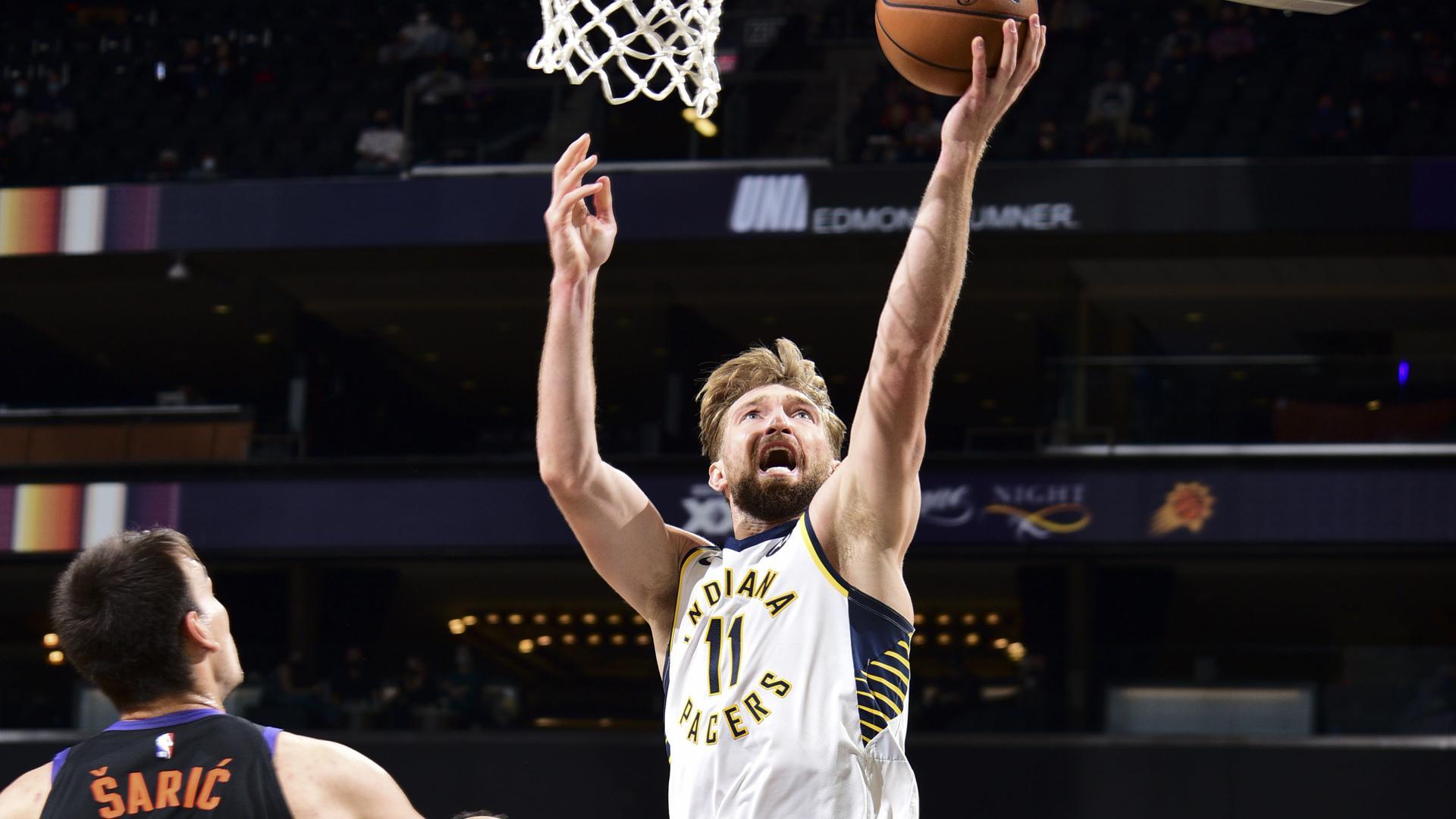 Domantas Sabonis notches triple-double in win vs. Suns