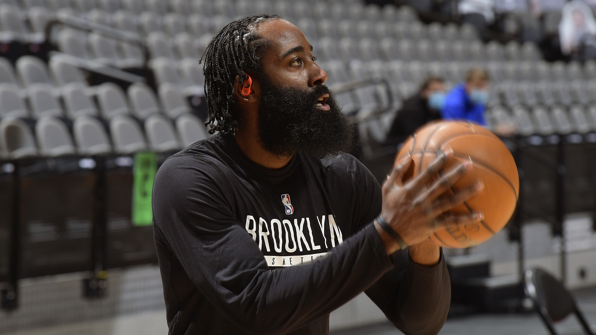 Harden back in Houston for 1st time since trade