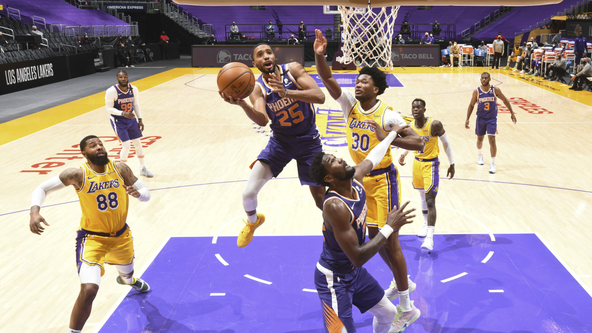Suns make statement with win over Lakers