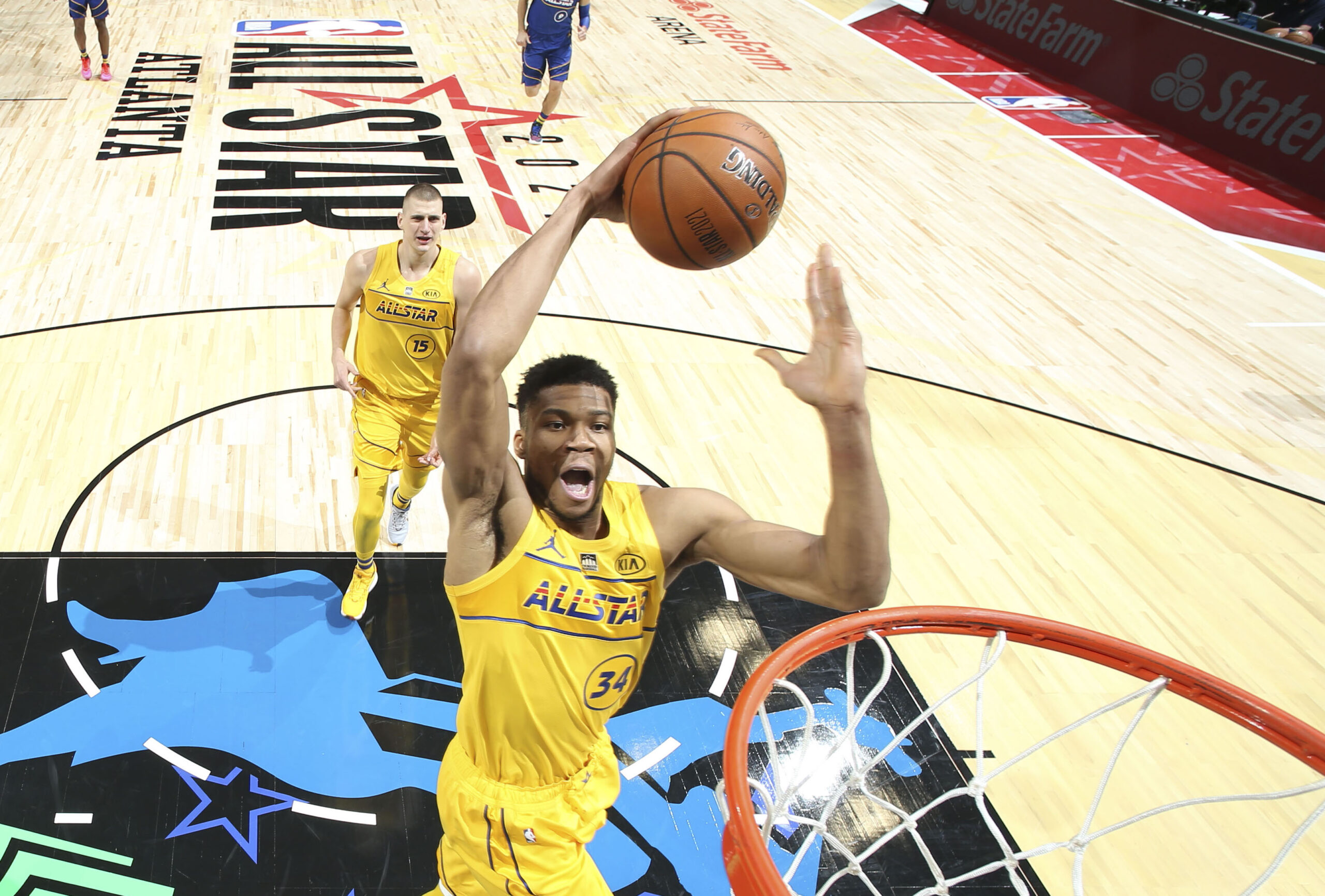 Giannis Antetokounmpo enjoys perfect shooting night, wins 2021 Kia All-Star MVP award