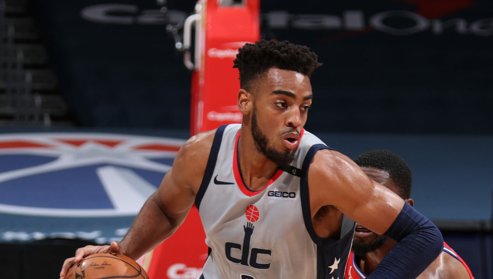 Bulls acquire Troy Brown, Daniel Theis in 3-team trade with Wizards, Celtics