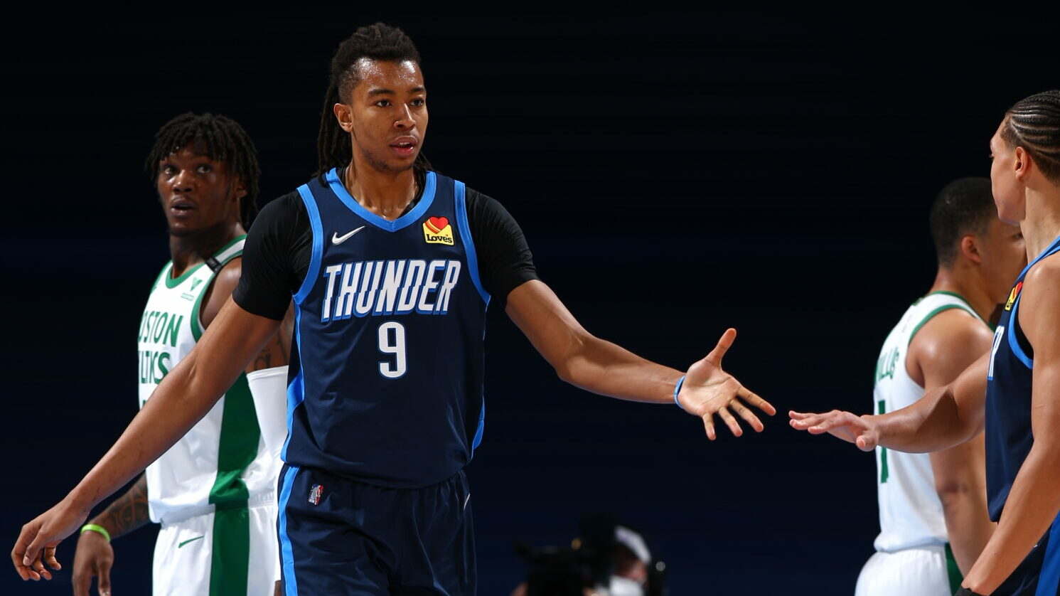 Thunder sign Moses Brown to multiyear contract
