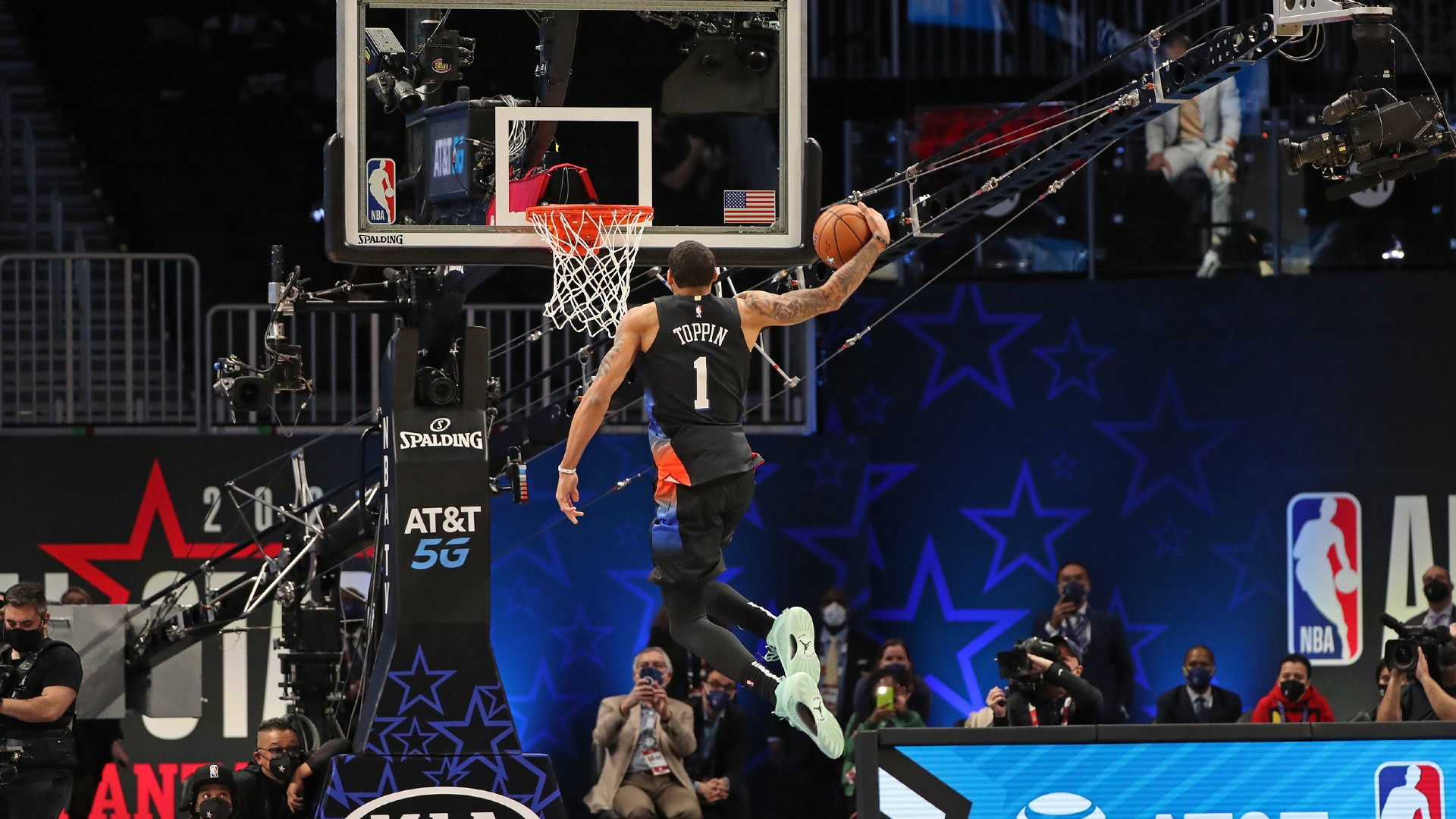 AT&T Slam Dunk Contest results in $80,000 donation to York College