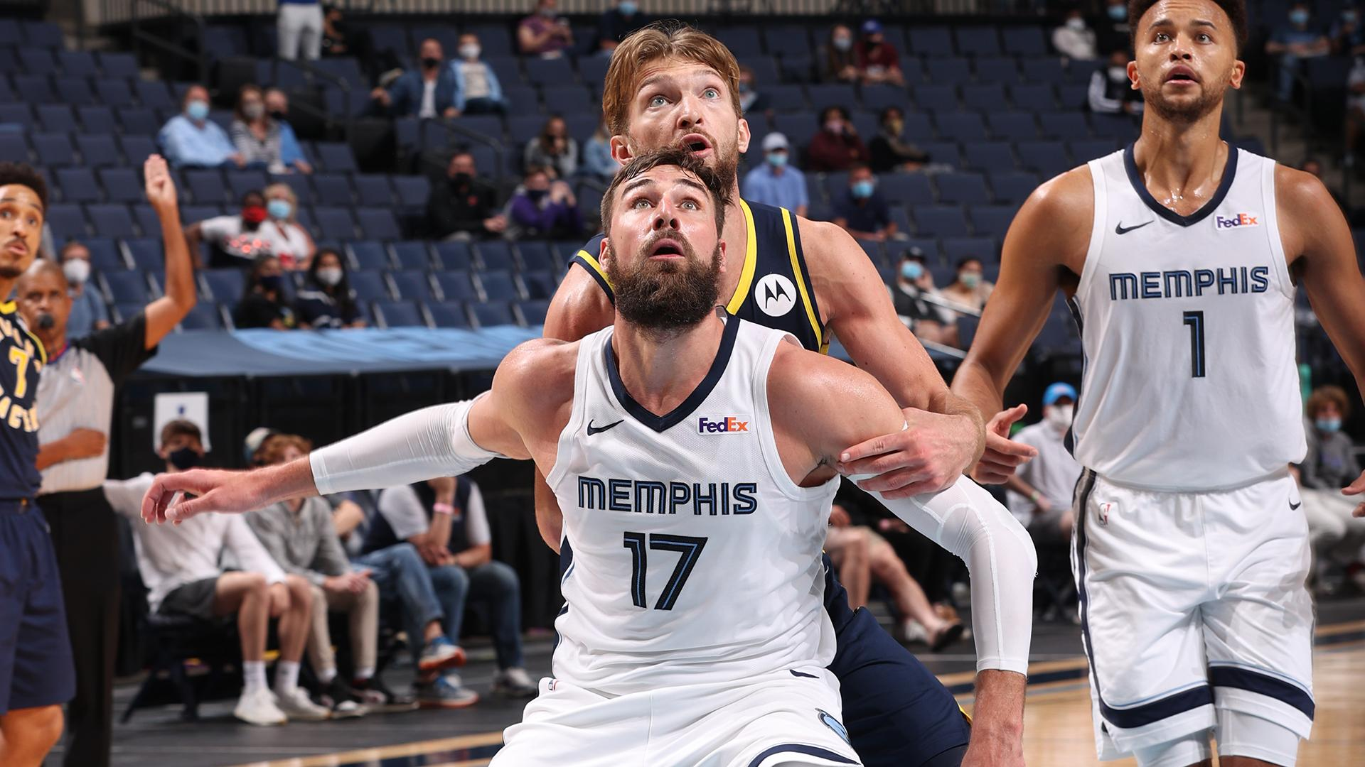 Domantas Sabonis & Jonas Valanciunas duel in Memphis