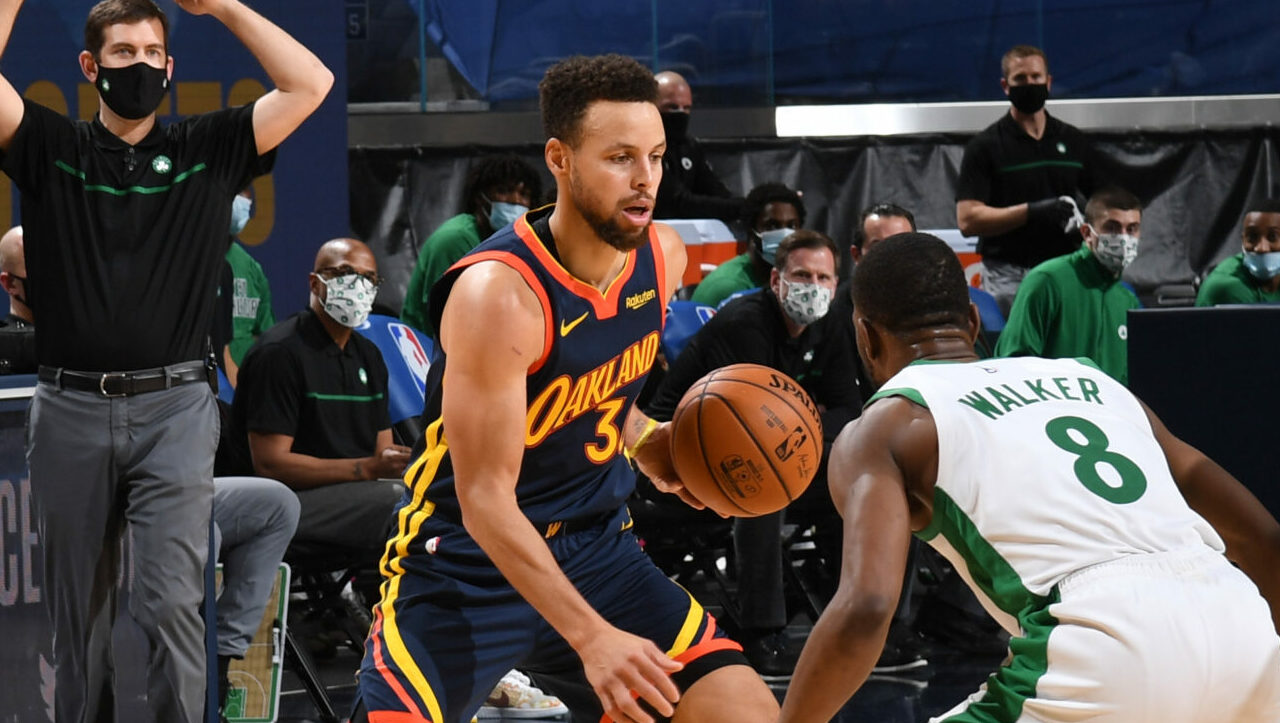 Red-hot Curry, Warriors get test vs. streaking Celtics