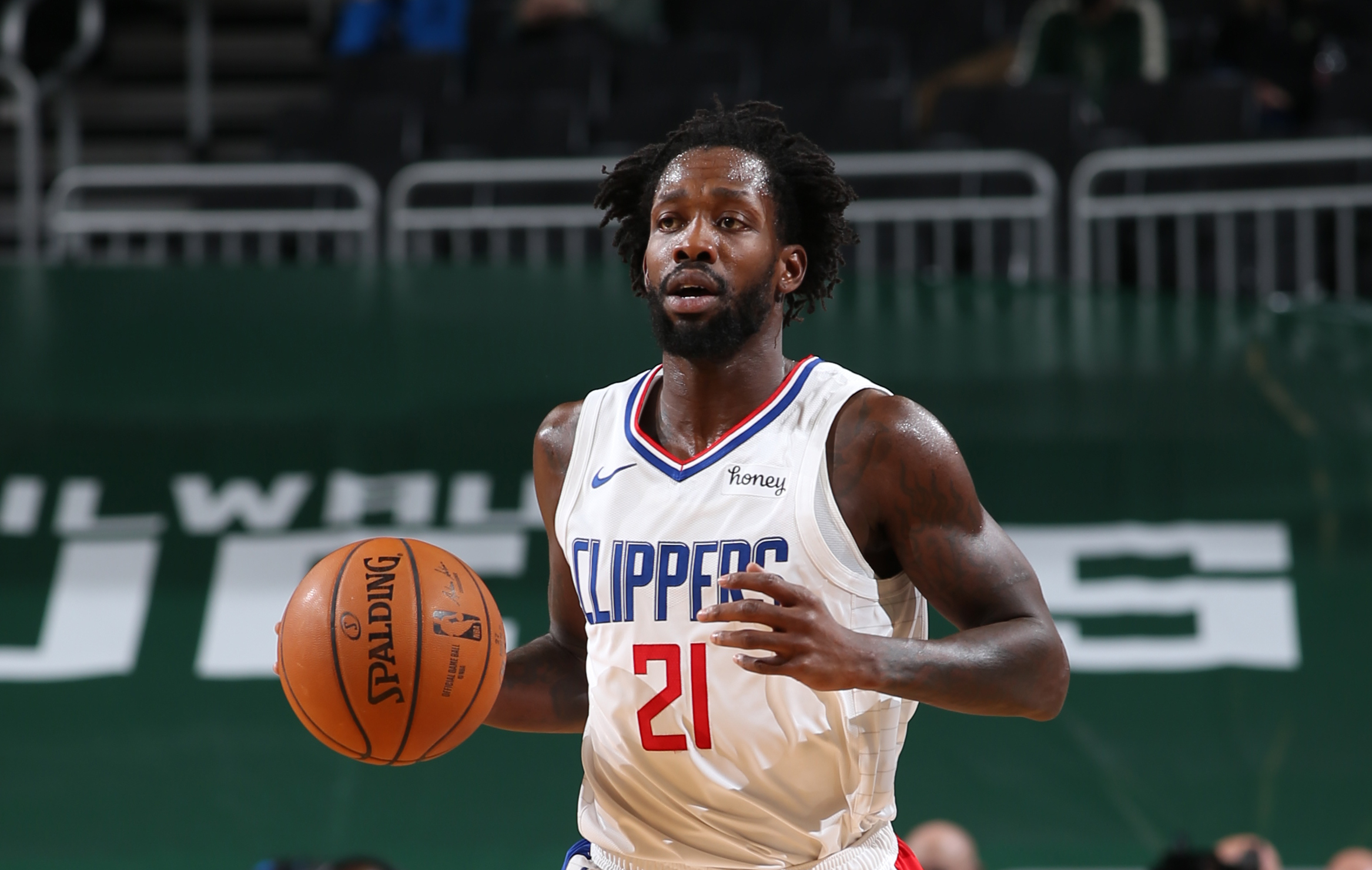 Patrick Beverley undergoes surgery for broken hand, out at least 3-4 weeks