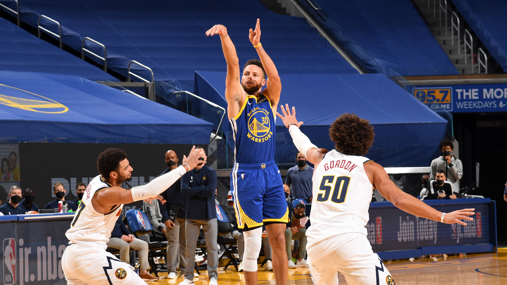Steph Curry becomes the Warriors all-time leading scorer