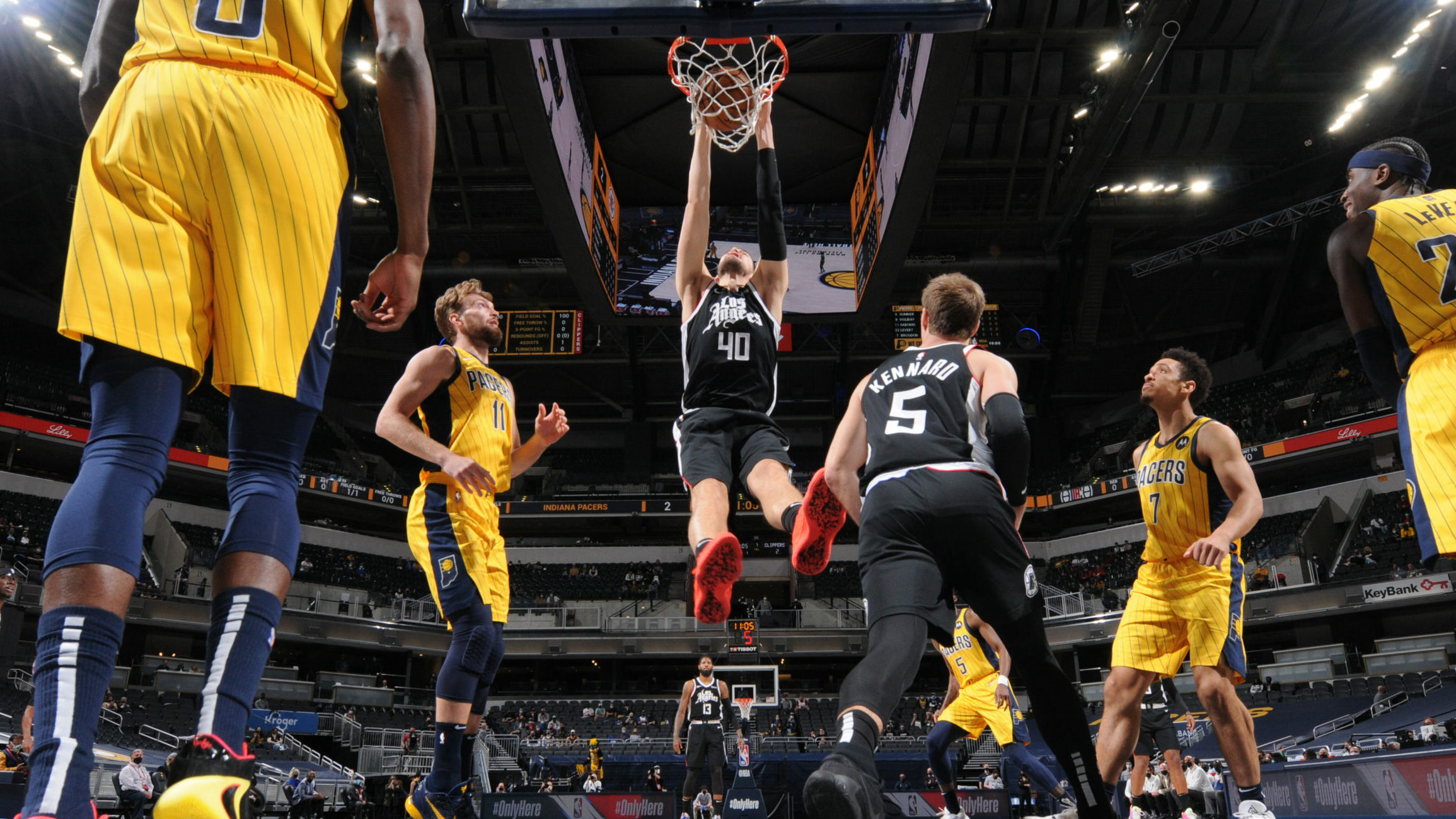 Clippers bring 5-game winning streak into Indiana