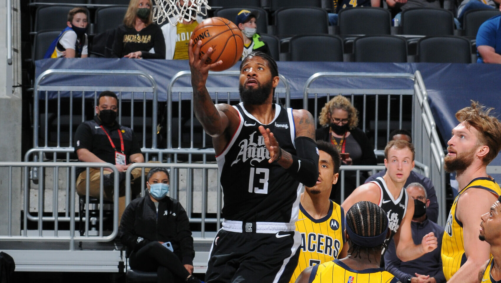 George takes control, powers Clippers to 6th straight win