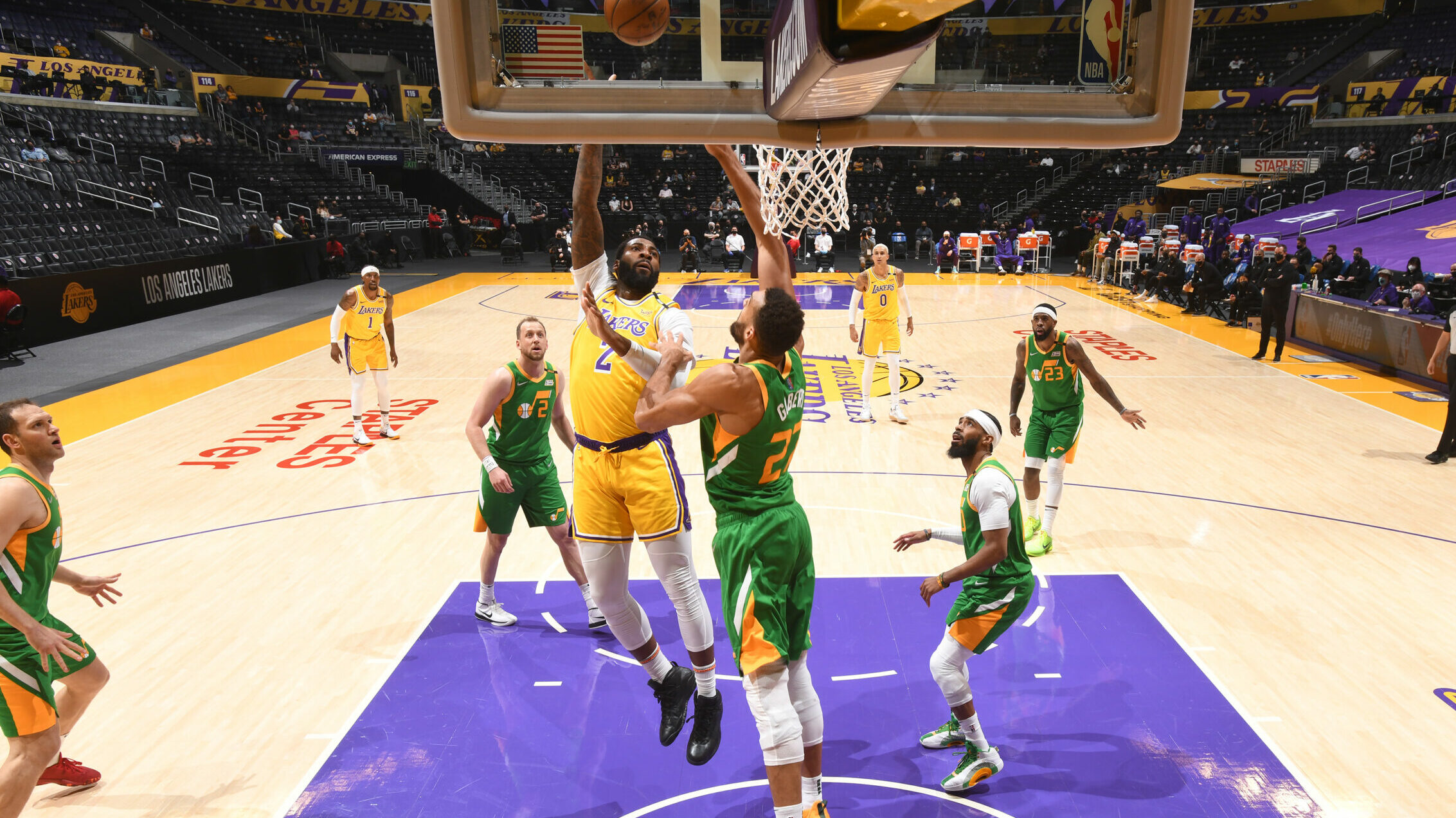 Short-handed Lakers play host to NBA-best Jazz
