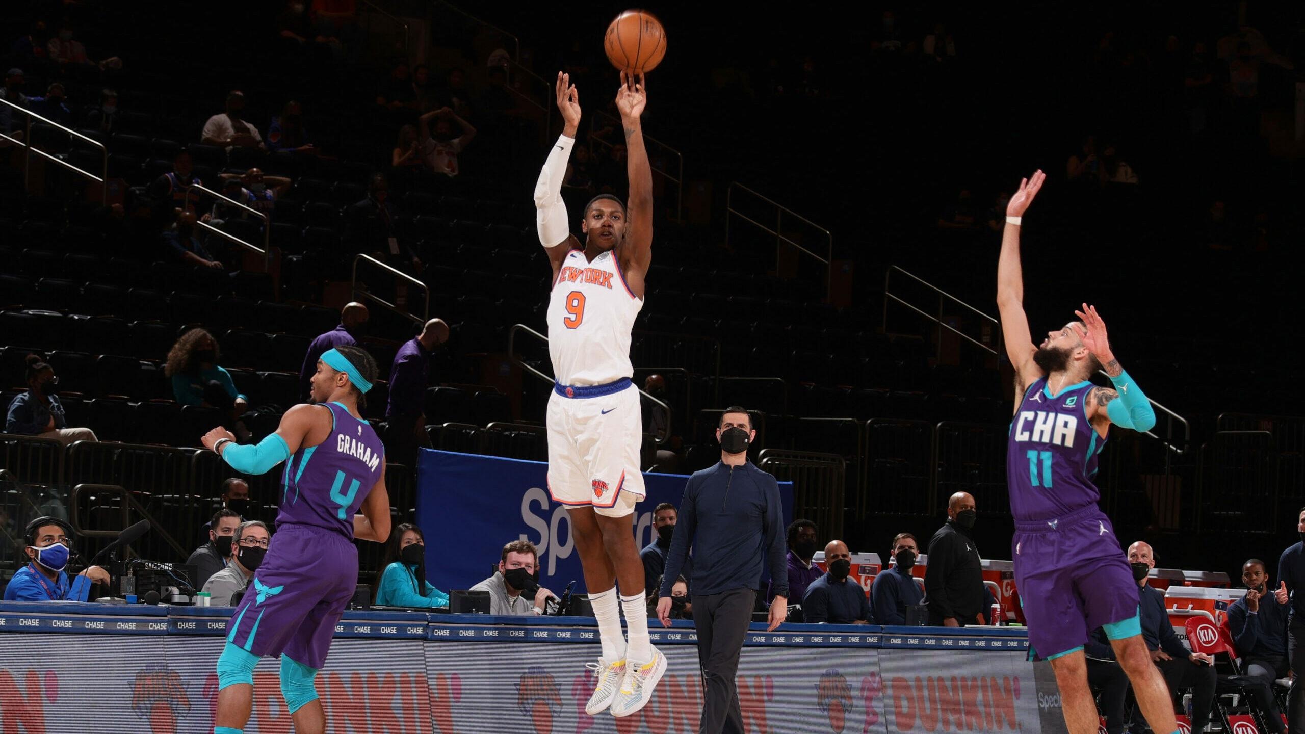 Barrett shines as Knicks get 7th straight win