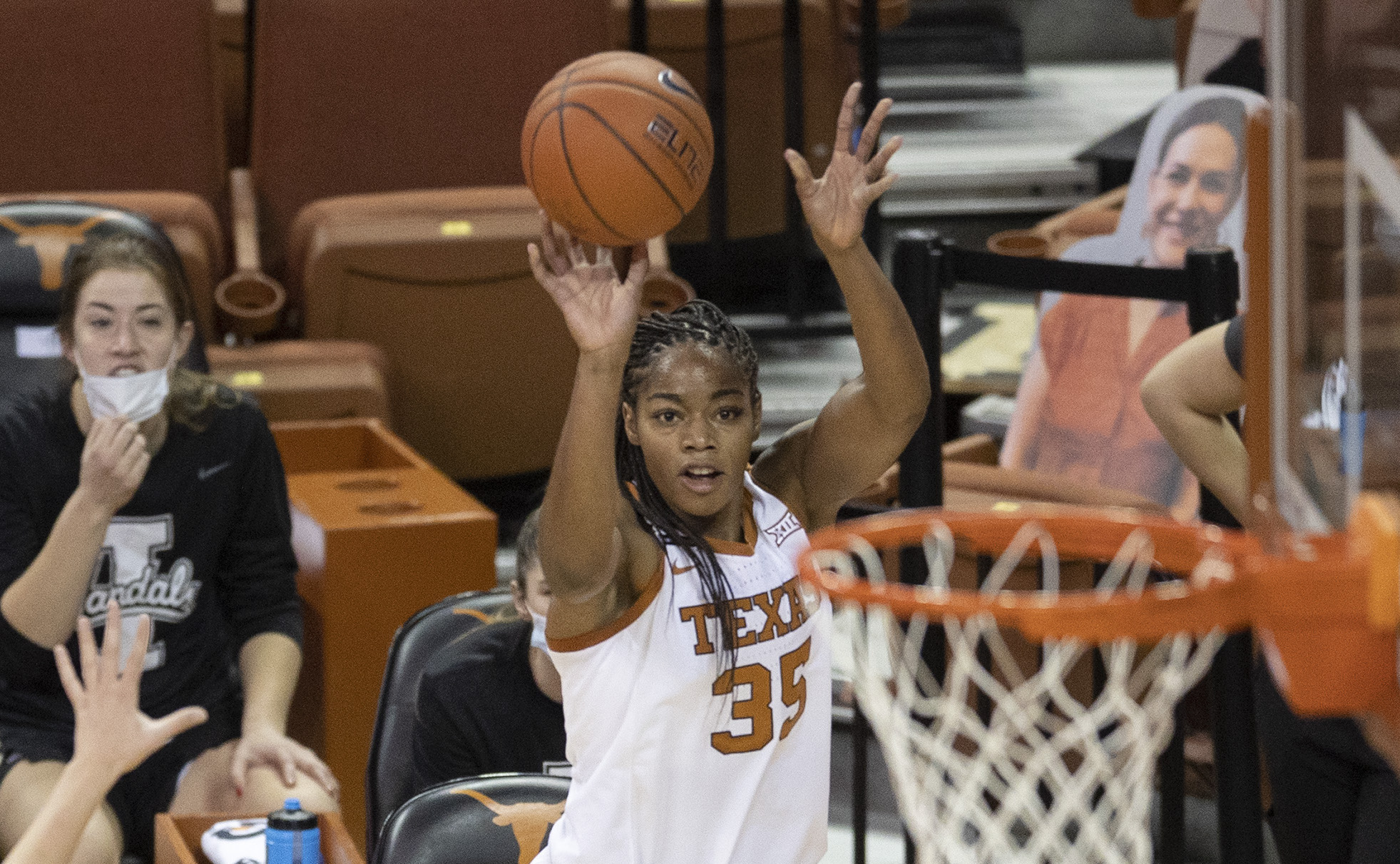 Longhorns' Collier goes No. 1 to Dallas Wings