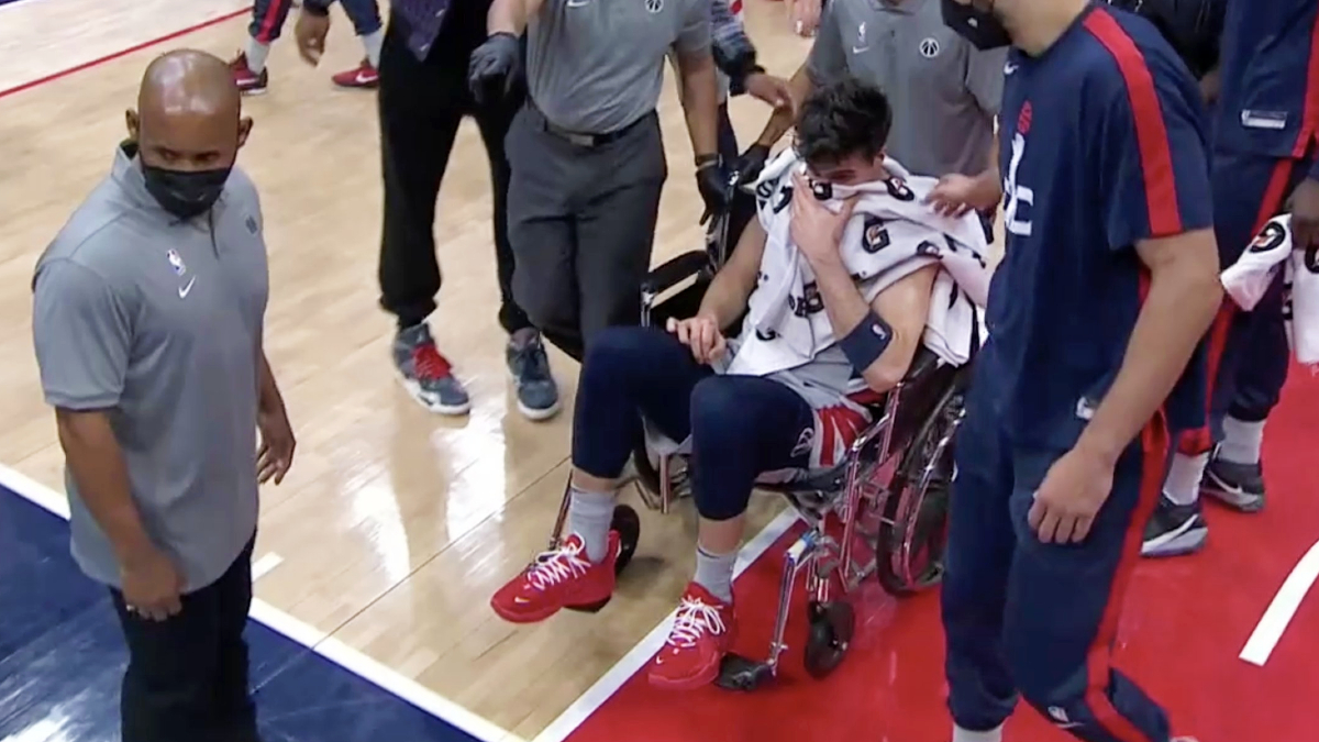 Wizards rookie Deni Avdija wheeled off court with right ankle injury
