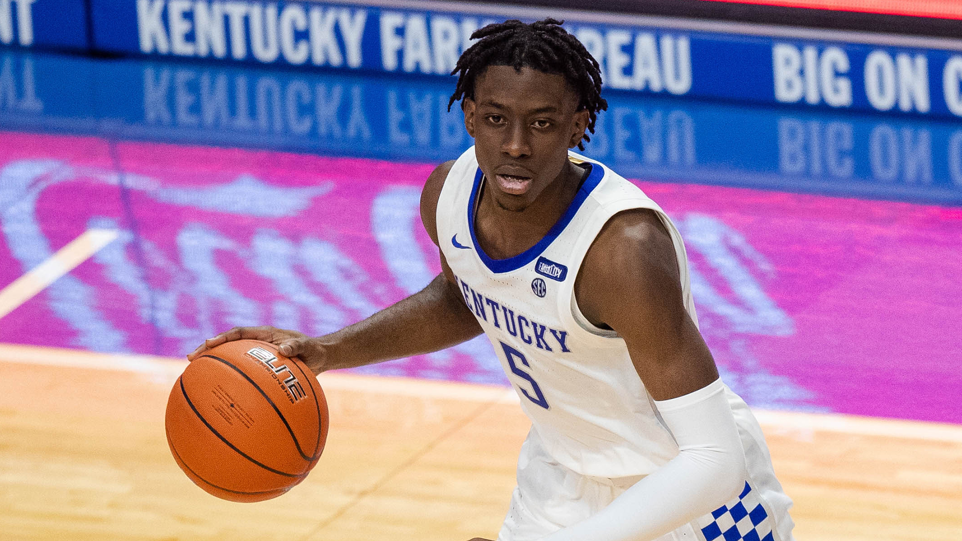 Former Kentucky guard Terrence Clarke, 19, dies in car crash