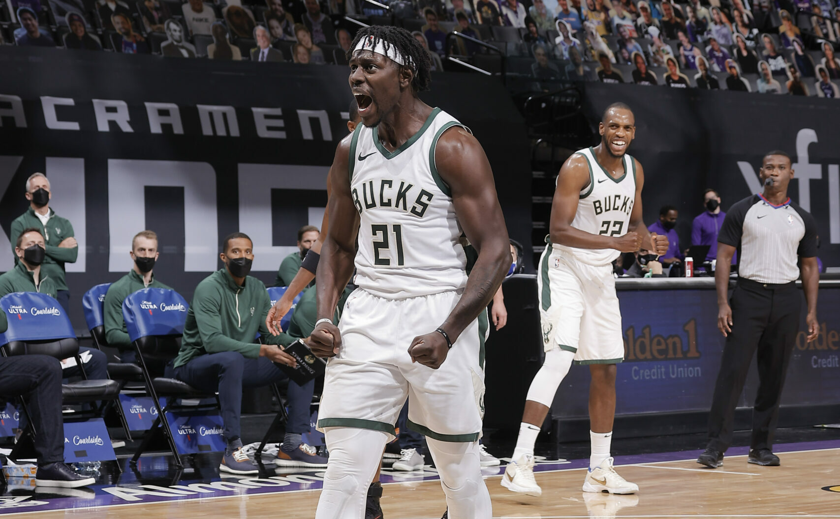 Jrue Holiday agrees to 4-year contract extension with Bucks