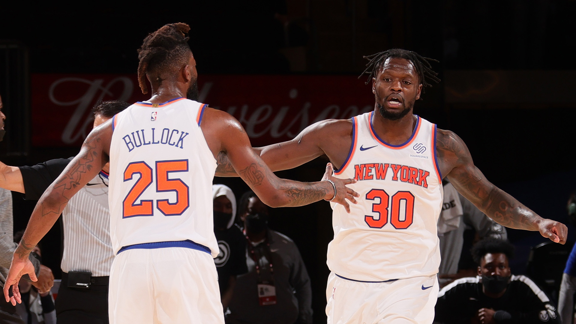Knicks halt Hawks in OT for 8th straight win; Young hurt