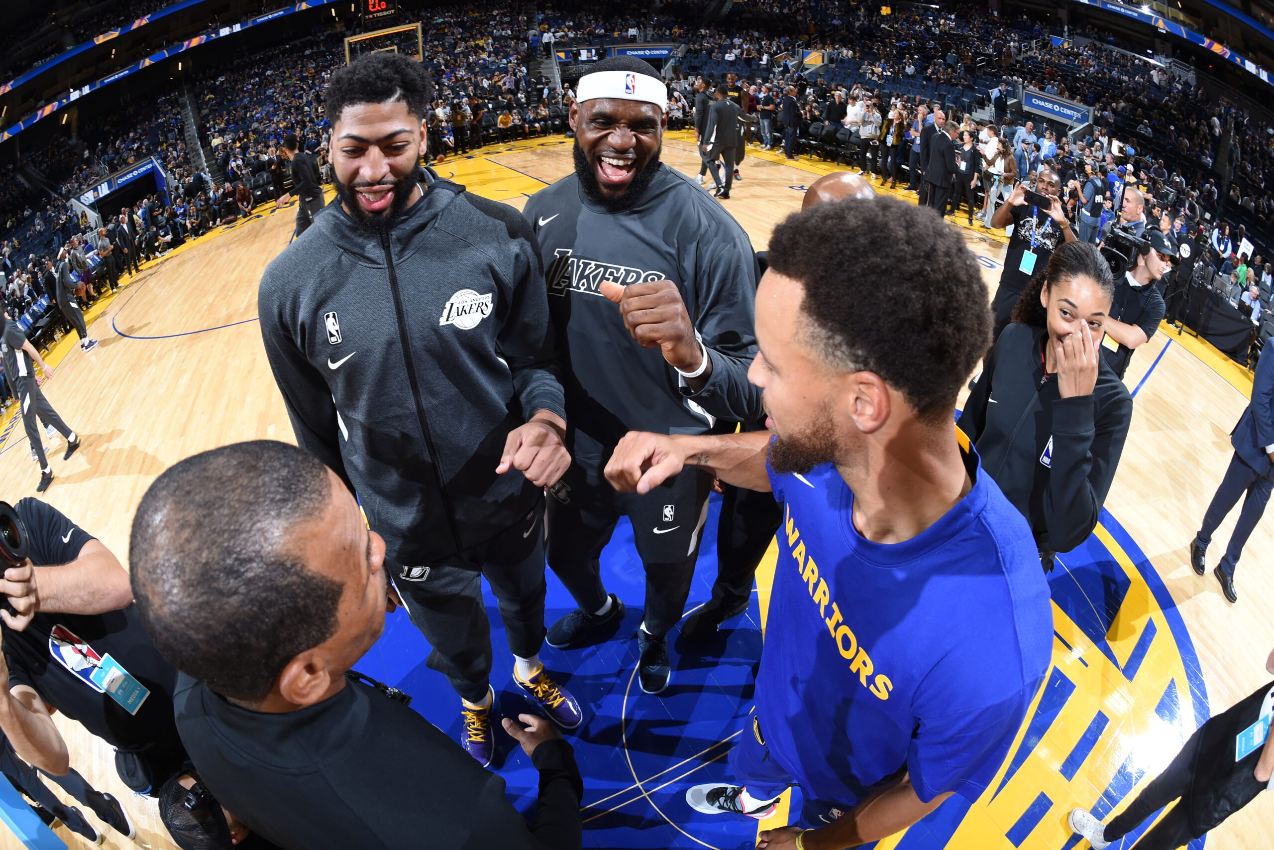 LeBron James vs. Stephen Curry marks Play-In Tournament showdown